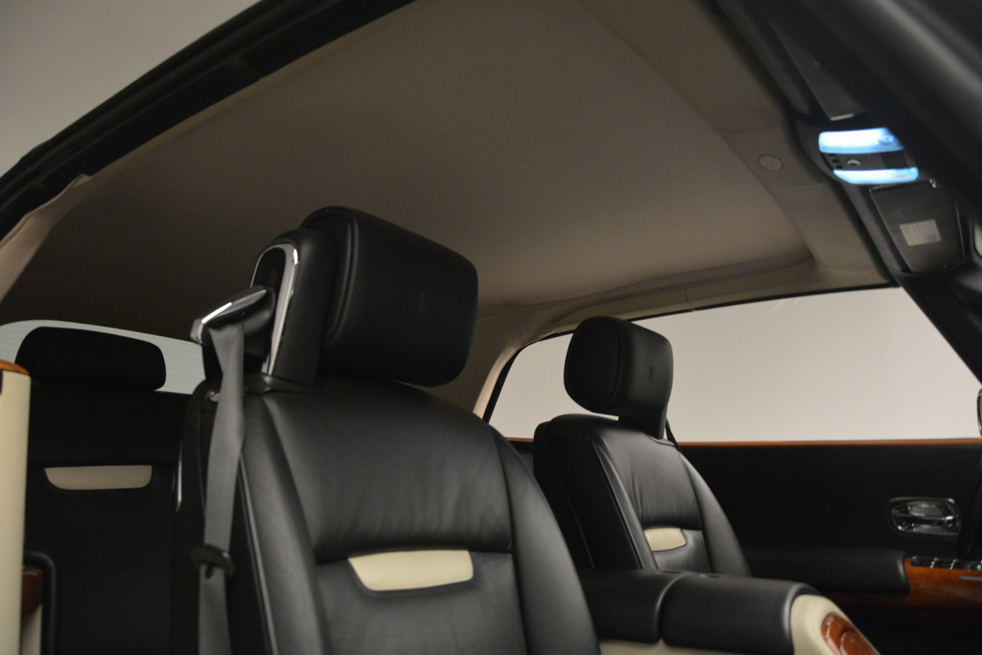 Used 2008 Rolls-Royce Phantom Drophead Coupe  For Sale In Greenwich, CT 3000_p29
