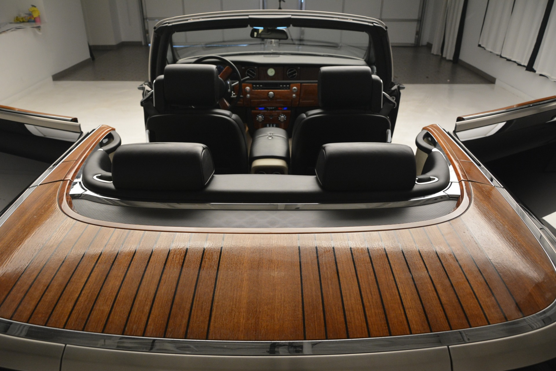 Used 2008 Rolls-Royce Phantom Drophead Coupe  For Sale In Greenwich, CT 3000_p31