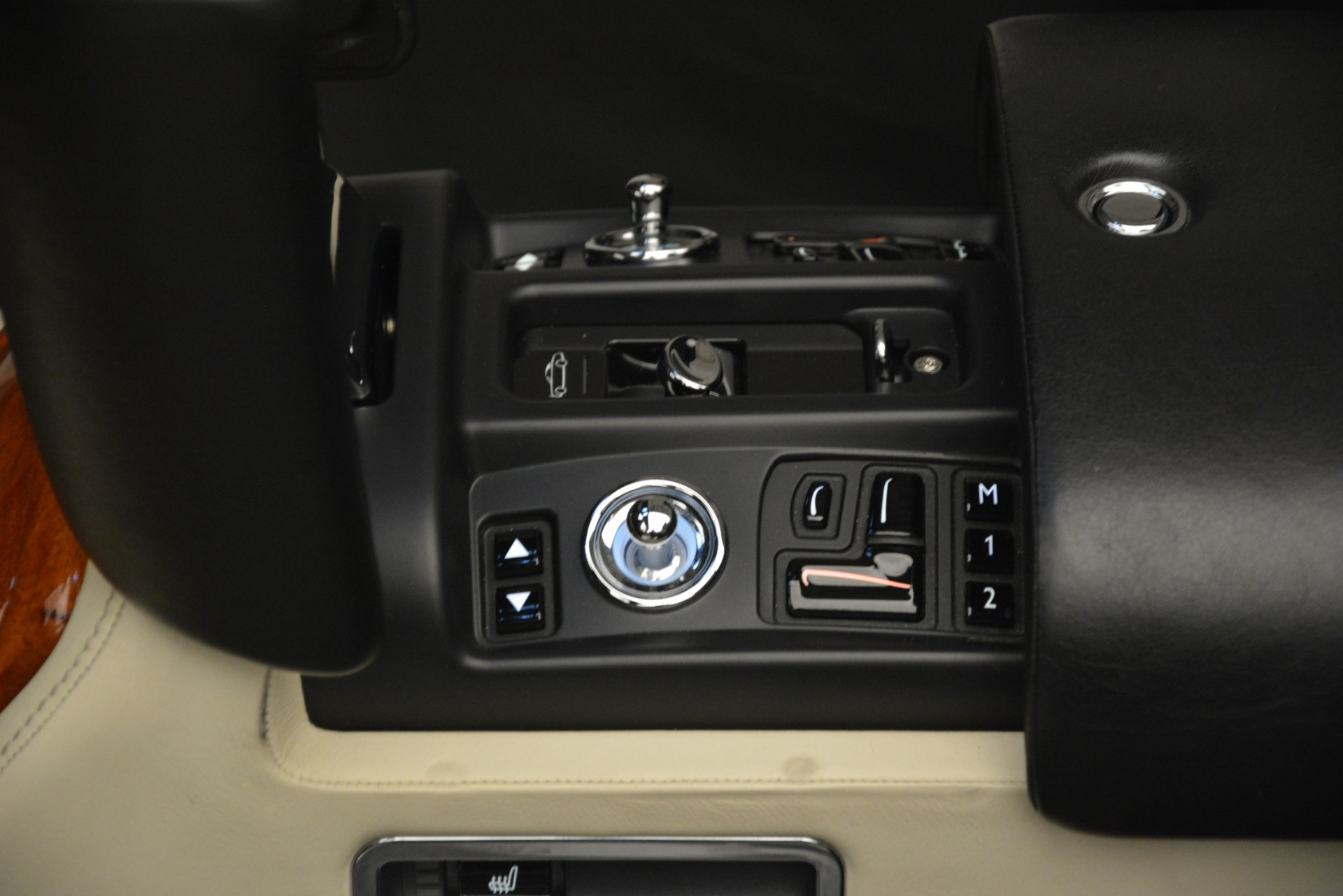 Used 2008 Rolls-Royce Phantom Drophead Coupe  For Sale In Greenwich, CT 3000_p32
