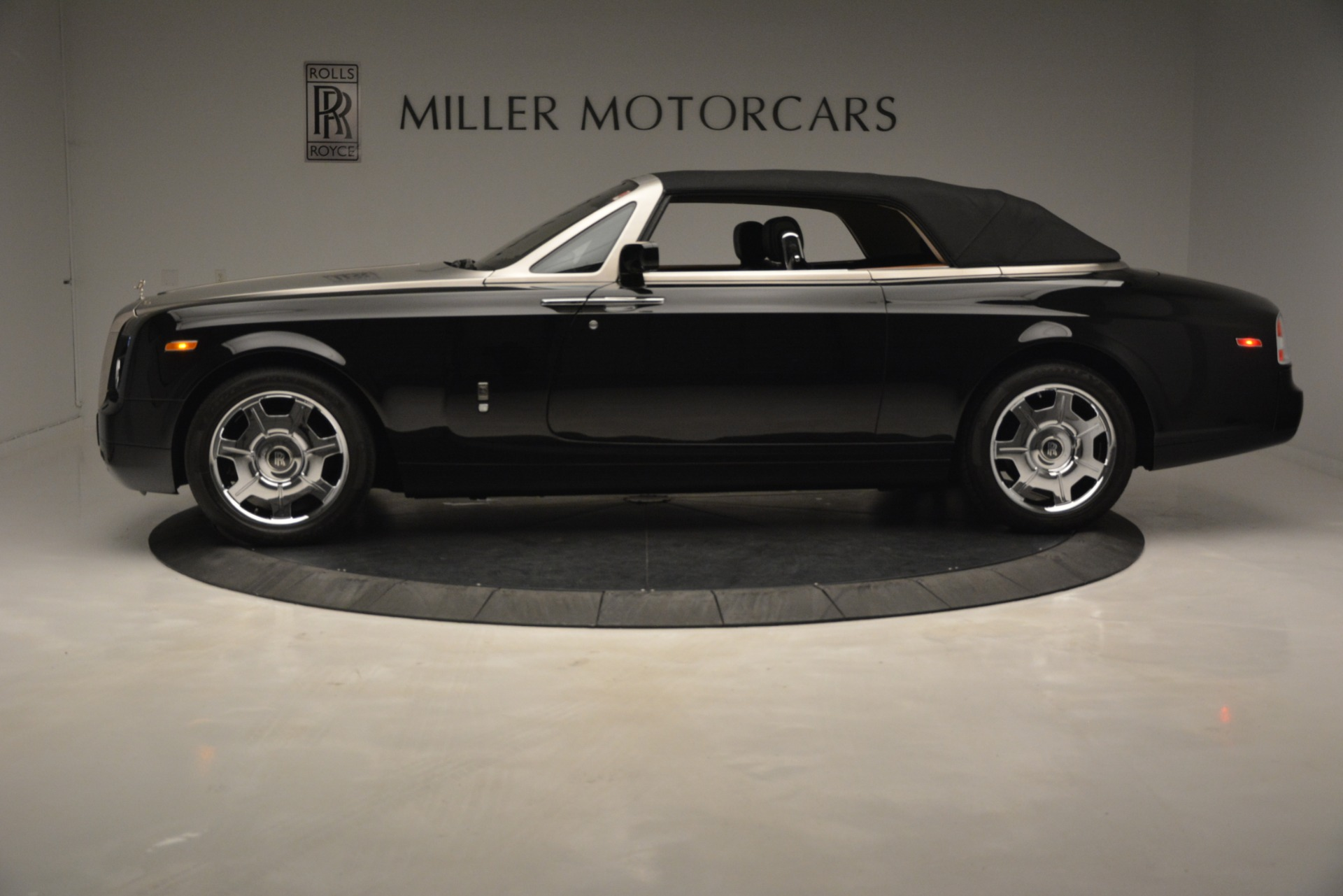 Used 2008 Rolls-Royce Phantom Drophead Coupe  For Sale In Greenwich, CT 3000_p35