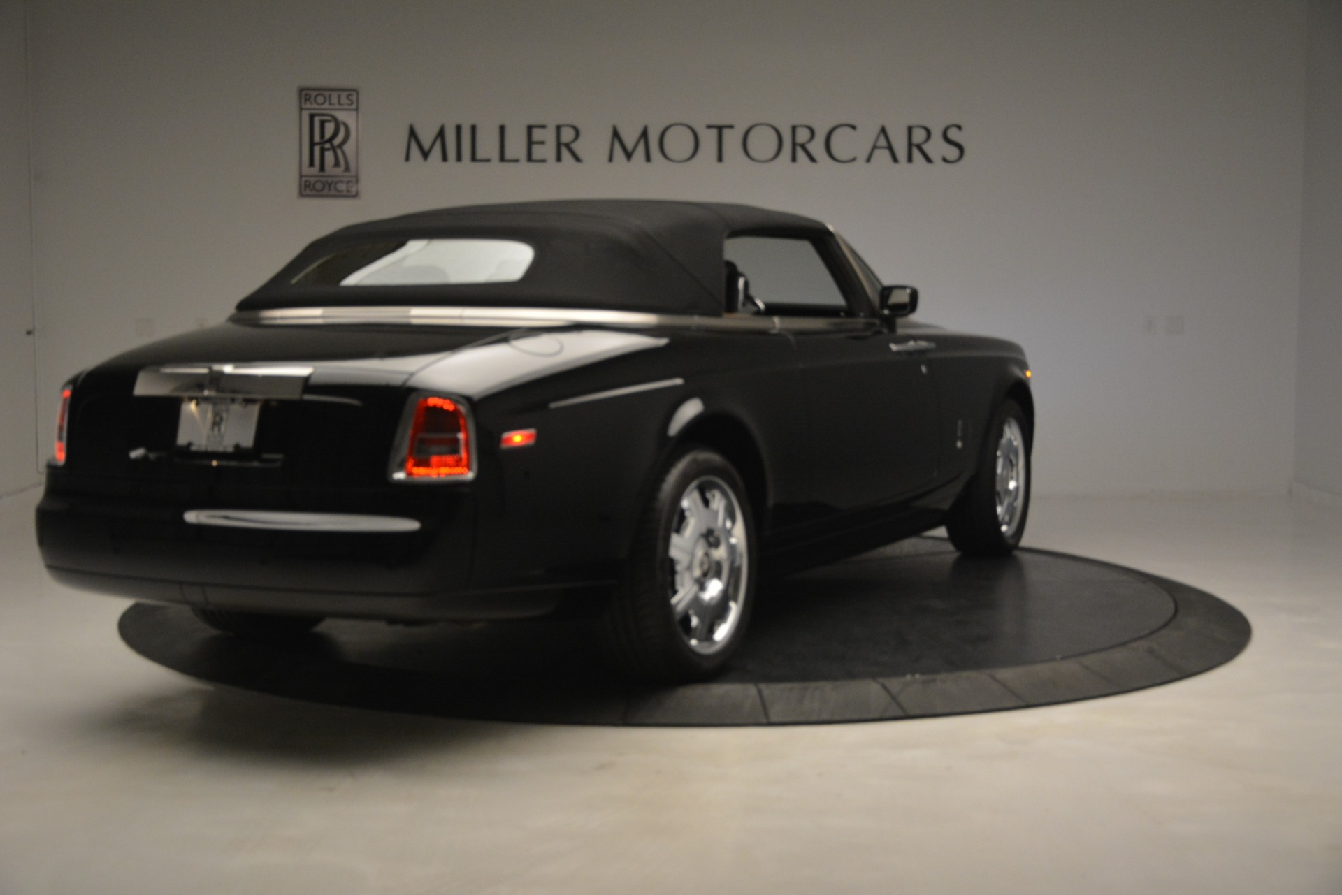 Used 2008 Rolls-Royce Phantom Drophead Coupe  For Sale In Greenwich, CT 3000_p38