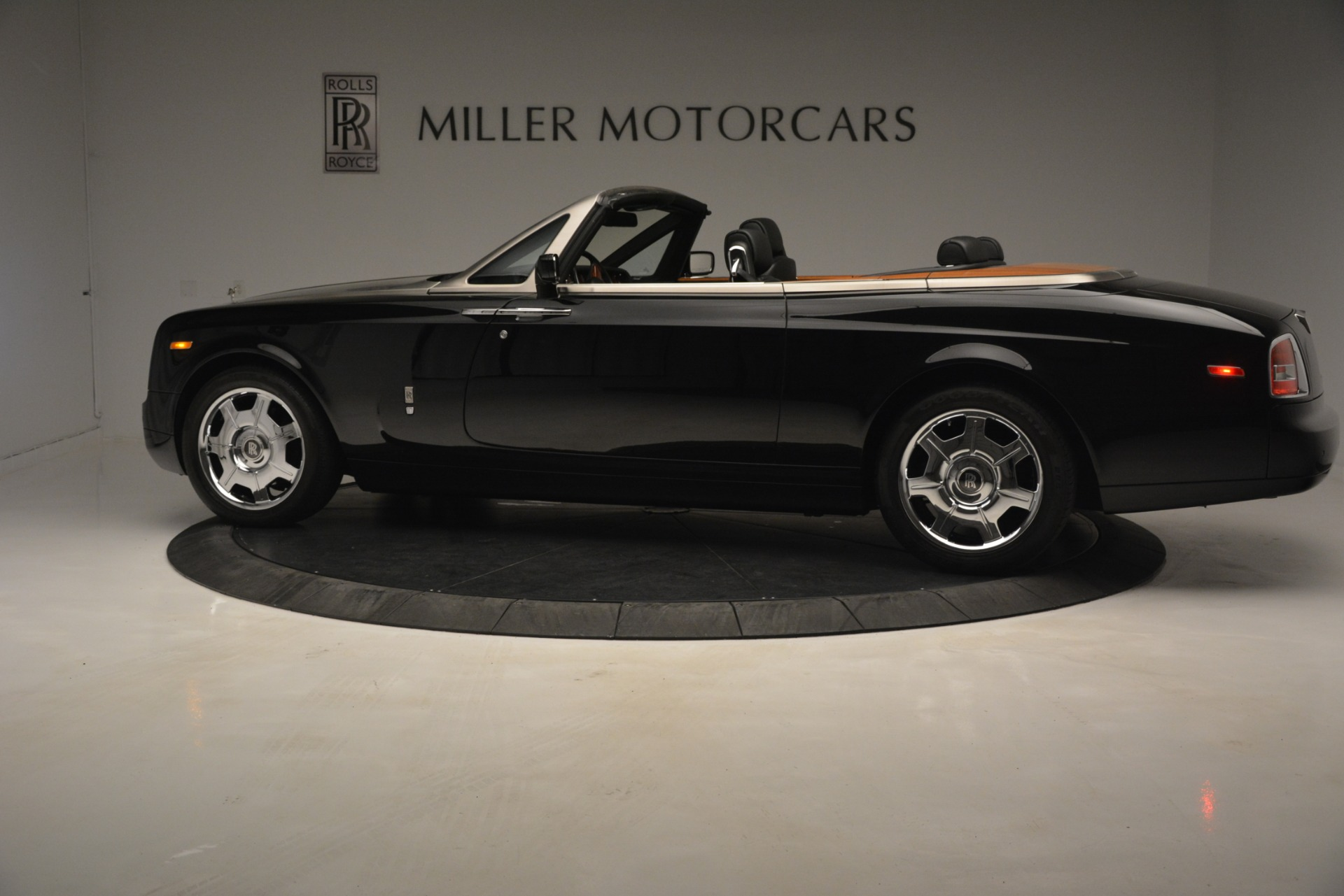 Used 2008 Rolls-Royce Phantom Drophead Coupe  For Sale In Greenwich, CT 3000_p5