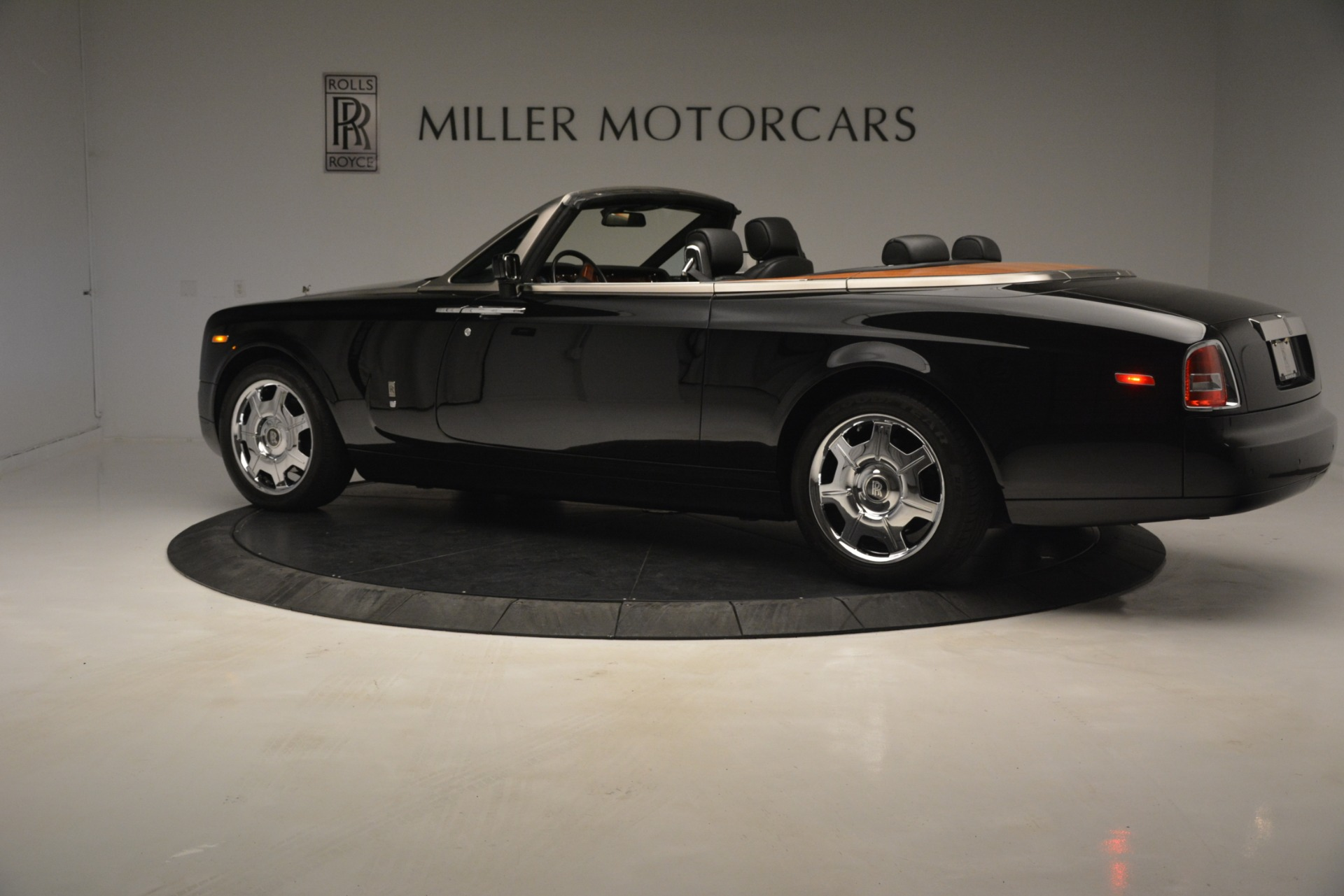 Used 2008 Rolls-Royce Phantom Drophead Coupe  For Sale In Greenwich, CT 3000_p6