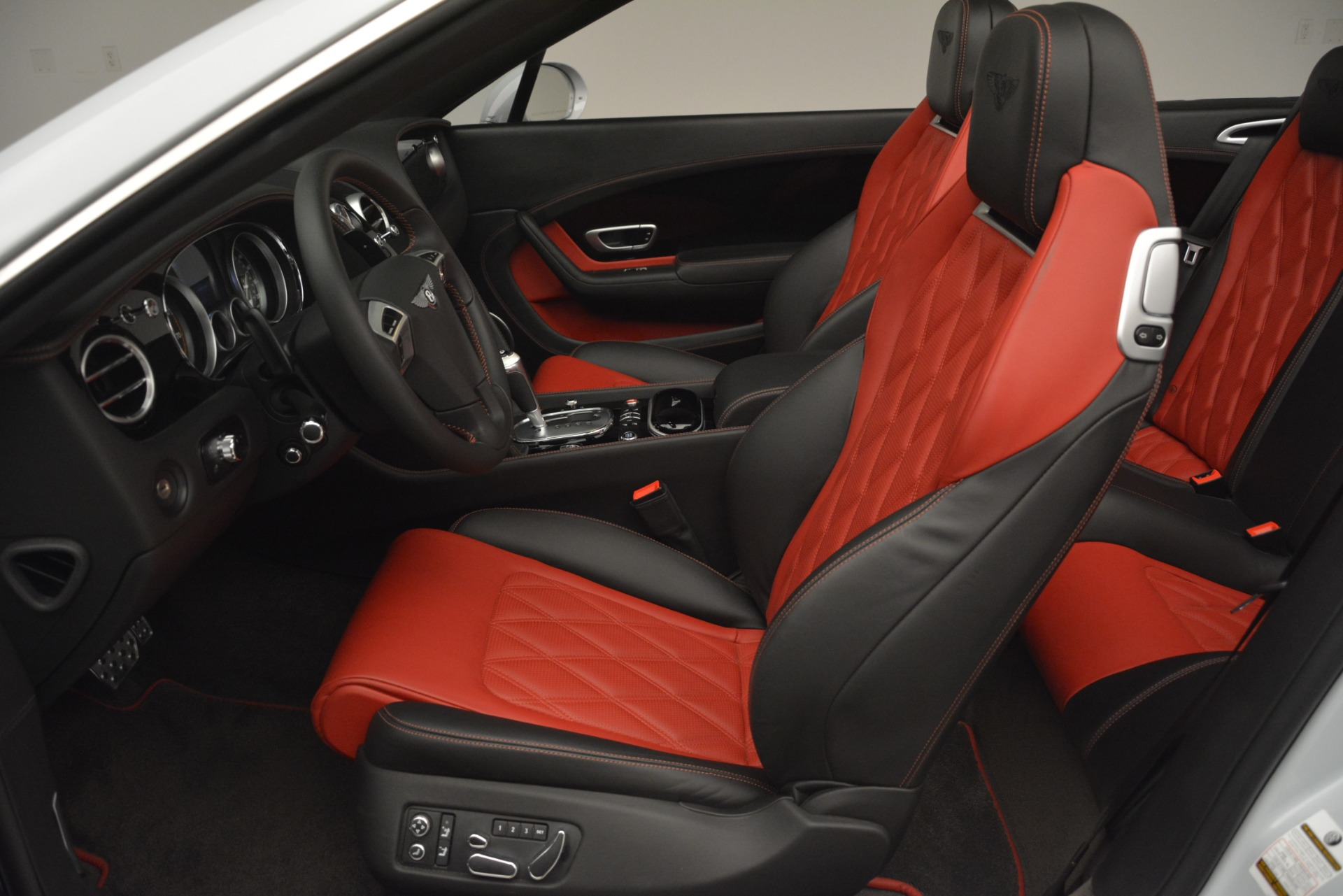 Used 2014 Bentley Continental GT V8 S For Sale In Greenwich, CT 3011_p24