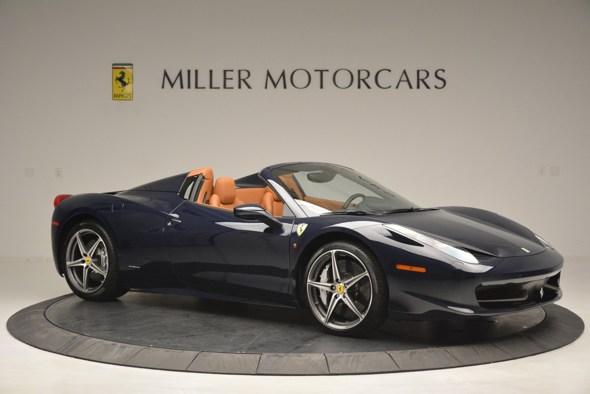 Used 2014 Ferrari 458 Spider  For Sale In Greenwich, CT 3013_p10
