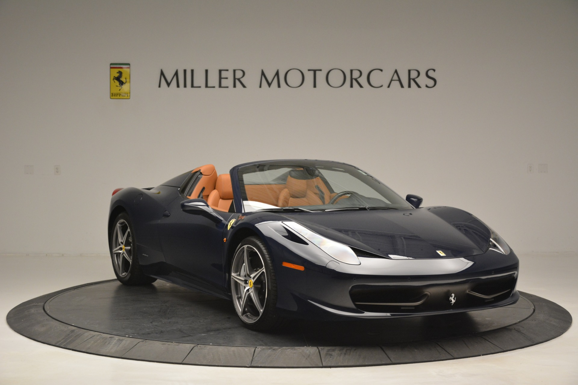 Used 2014 Ferrari 458 Spider  For Sale In Greenwich, CT 3013_p11