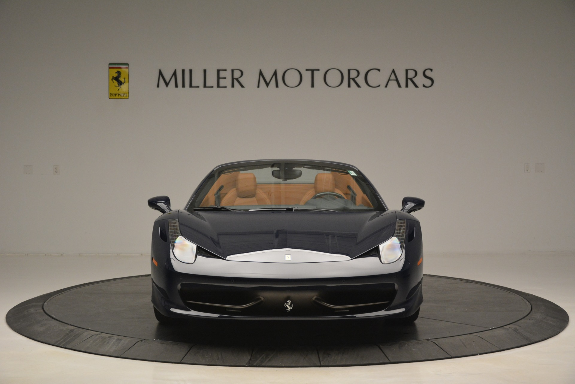 Used 2014 Ferrari 458 Spider  For Sale In Greenwich, CT 3013_p12