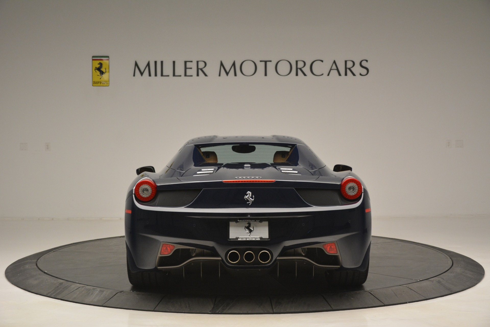 Used 2014 Ferrari 458 Spider  For Sale In Greenwich, CT 3013_p18