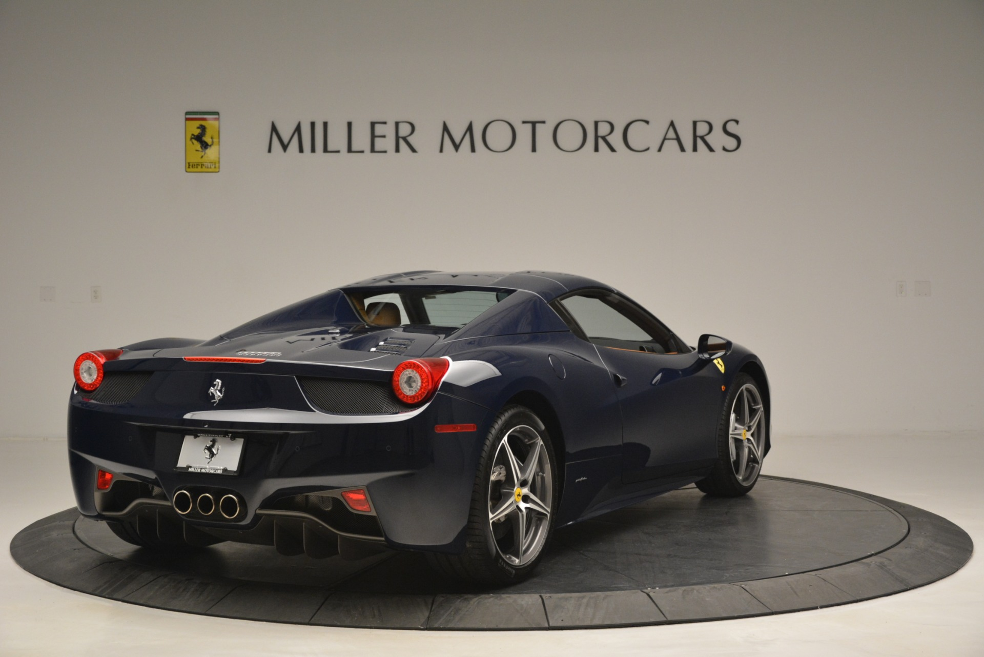 Used 2014 Ferrari 458 Spider  For Sale In Greenwich, CT 3013_p19