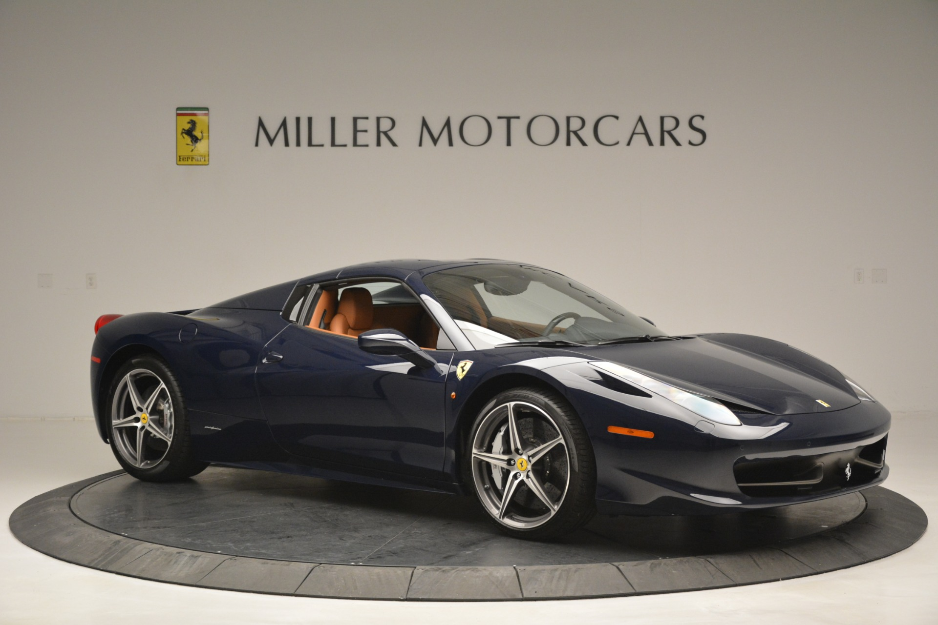 Used 2014 Ferrari 458 Spider  For Sale In Greenwich, CT 3013_p22