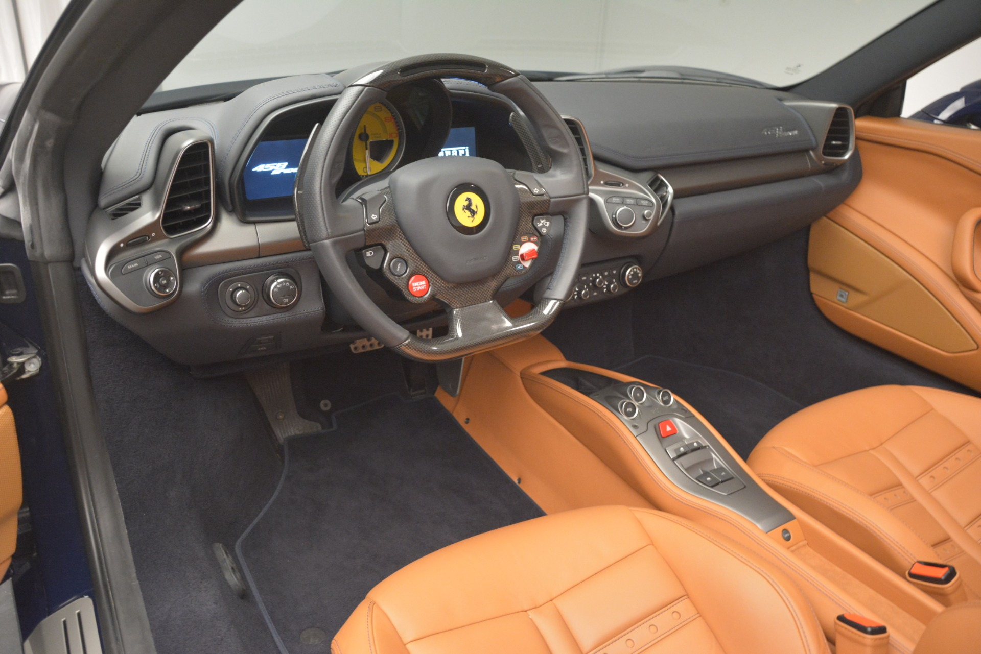 Used 2014 Ferrari 458 Spider  For Sale In Greenwich, CT 3013_p25