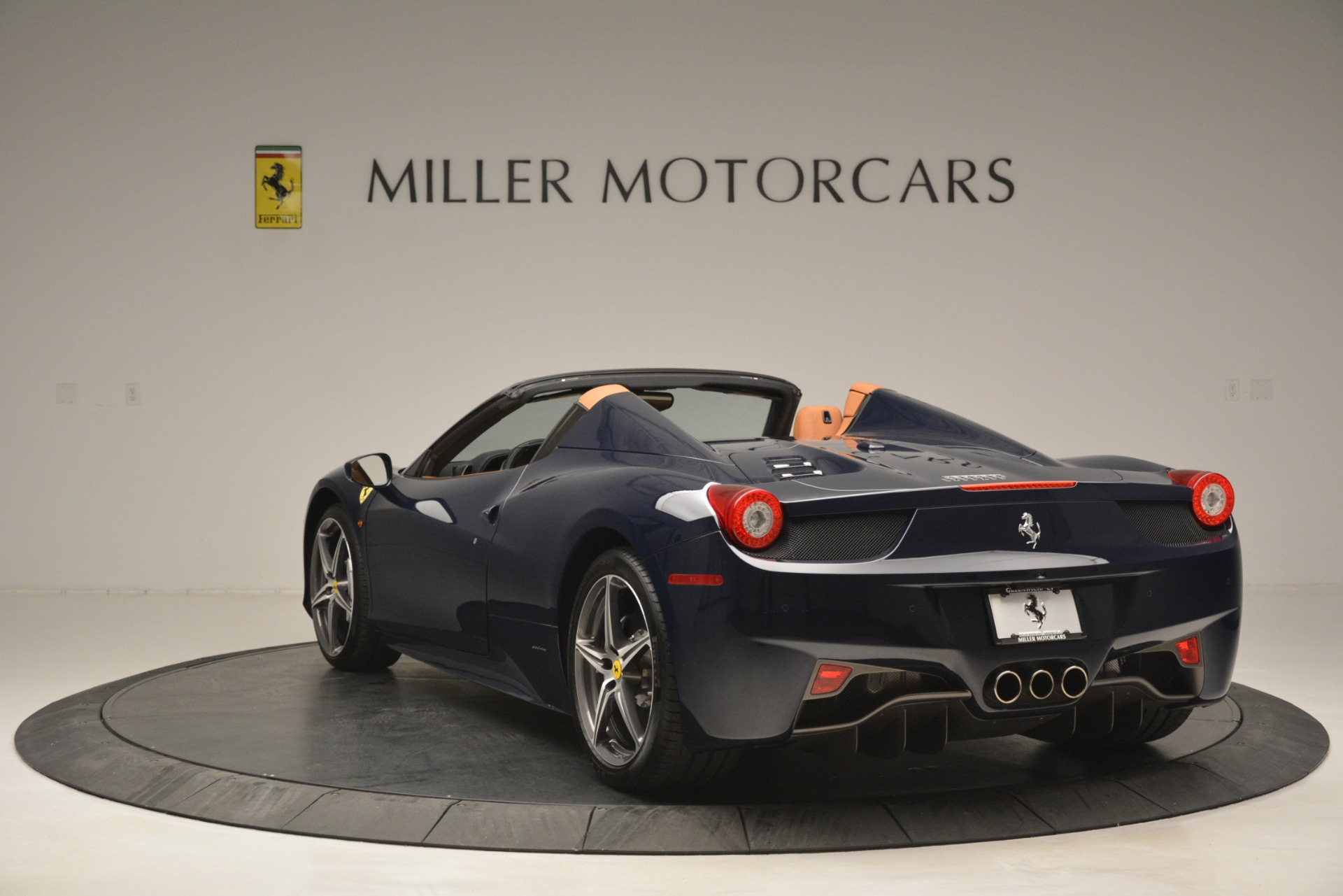 Used 2014 Ferrari 458 Spider  For Sale In Greenwich, CT 3013_p5