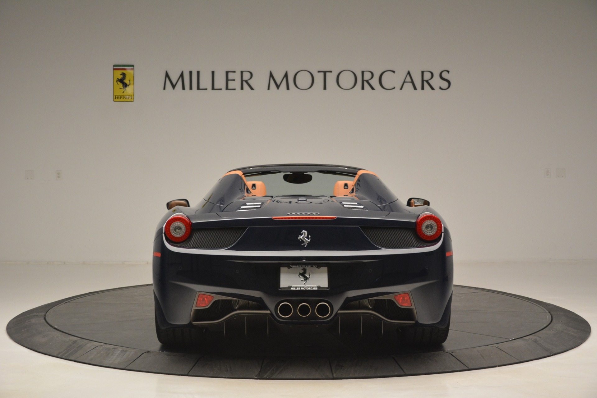 Used 2014 Ferrari 458 Spider  For Sale In Greenwich, CT 3013_p6