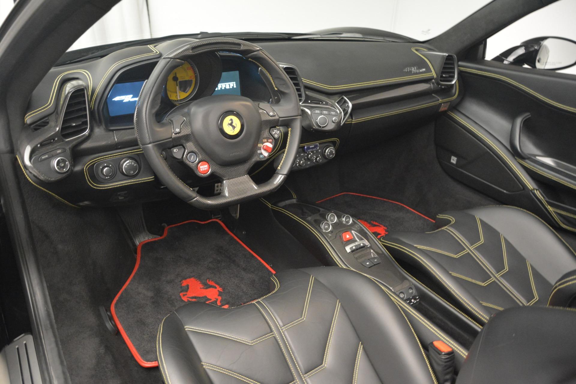 Used 2013 Ferrari 458 Spider  For Sale In Greenwich, CT 3024_p25