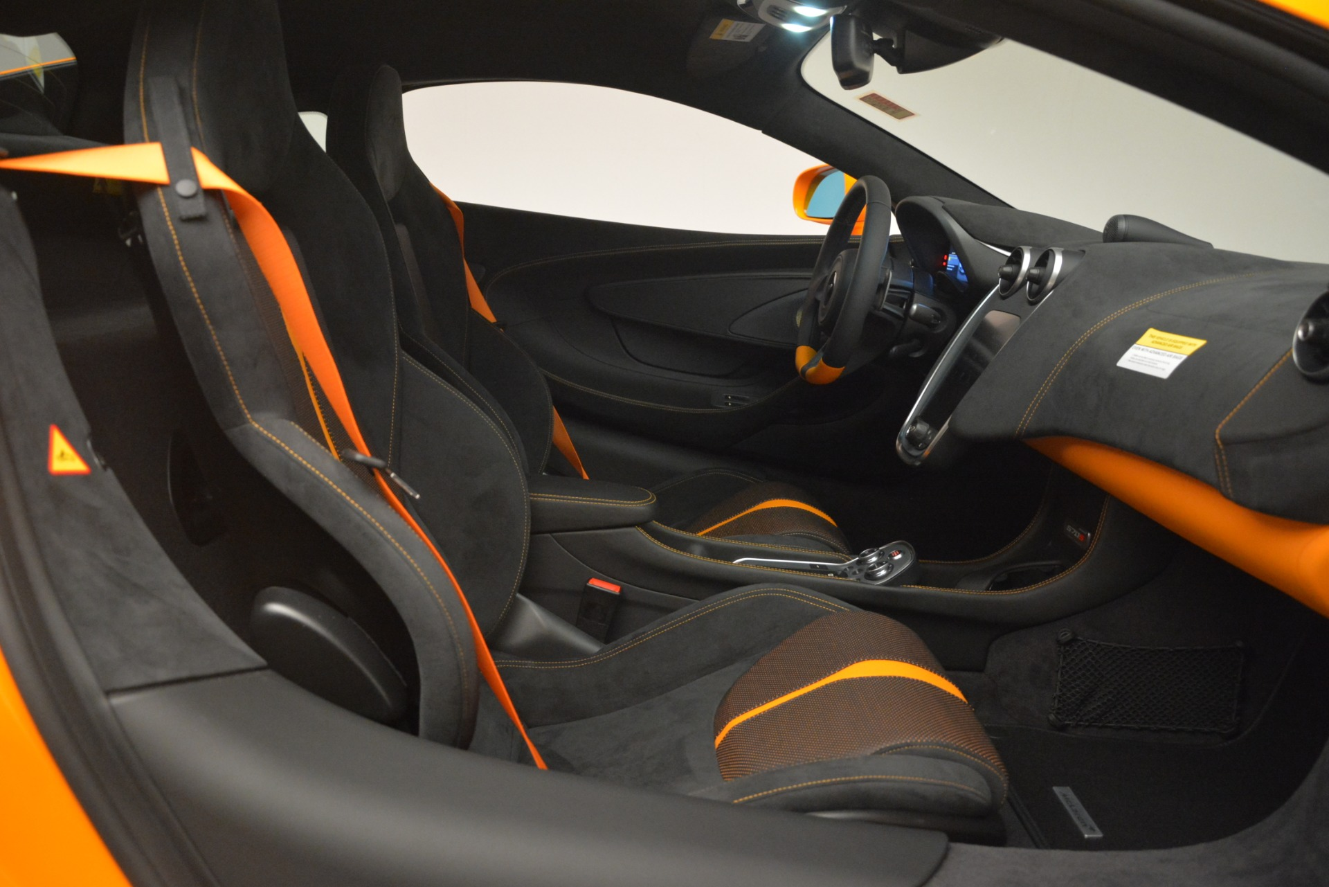 New 2019 McLaren 570S Coupe For Sale In Greenwich, CT 3027_p20