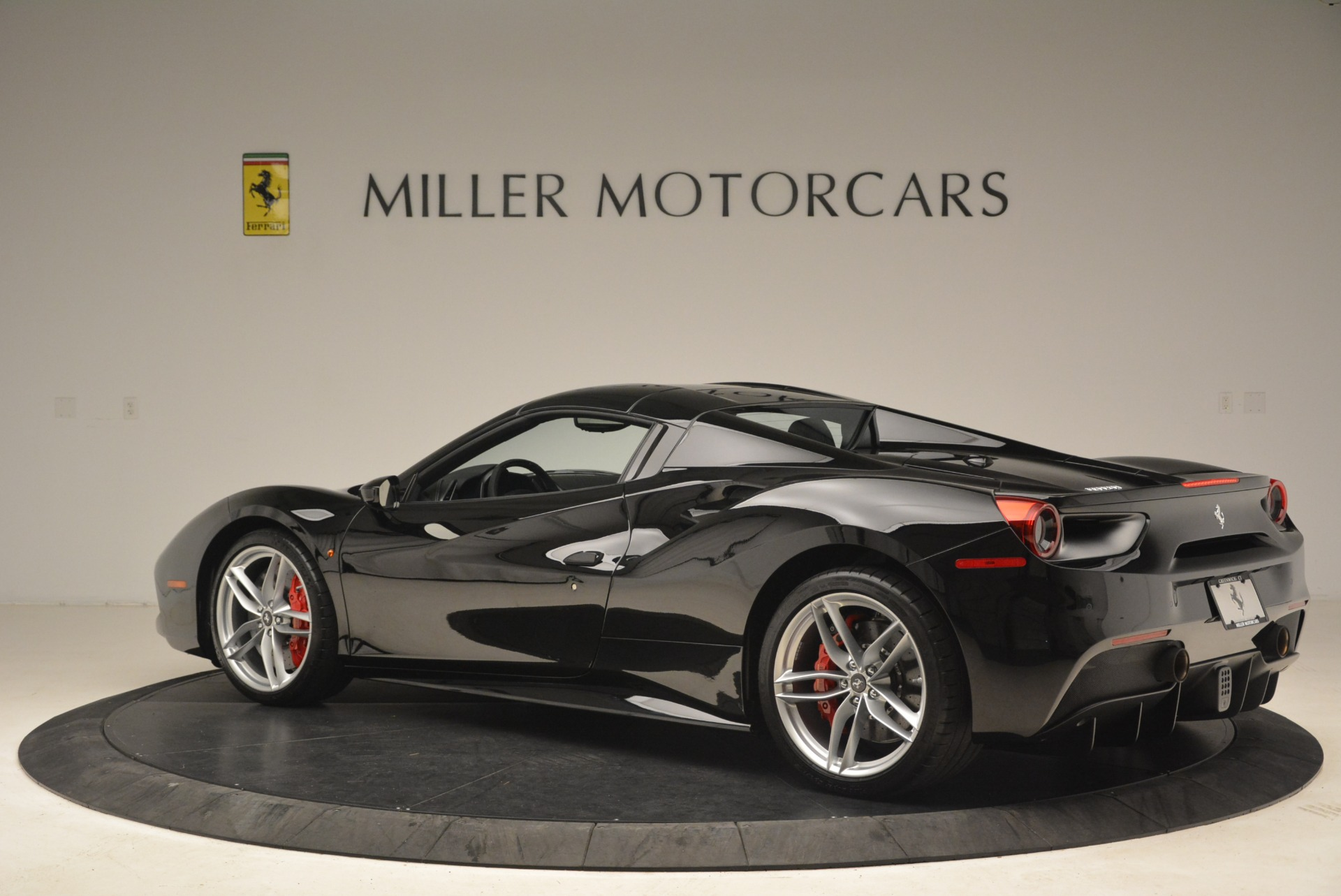 Used 2018 Ferrari 488 Spider  For Sale In Greenwich, CT 3029_p16