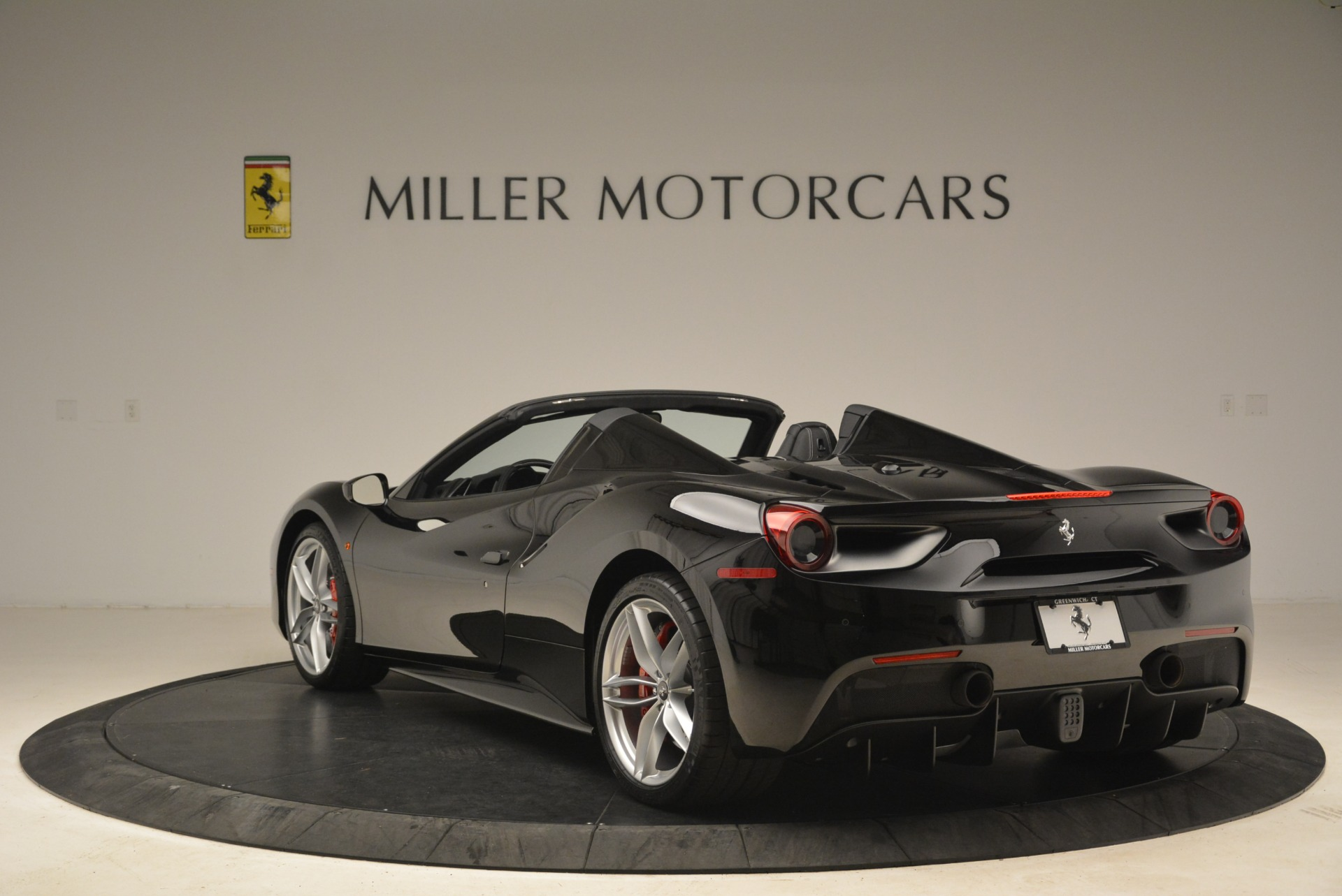 Used 2018 Ferrari 488 Spider  For Sale In Greenwich, CT 3029_p5