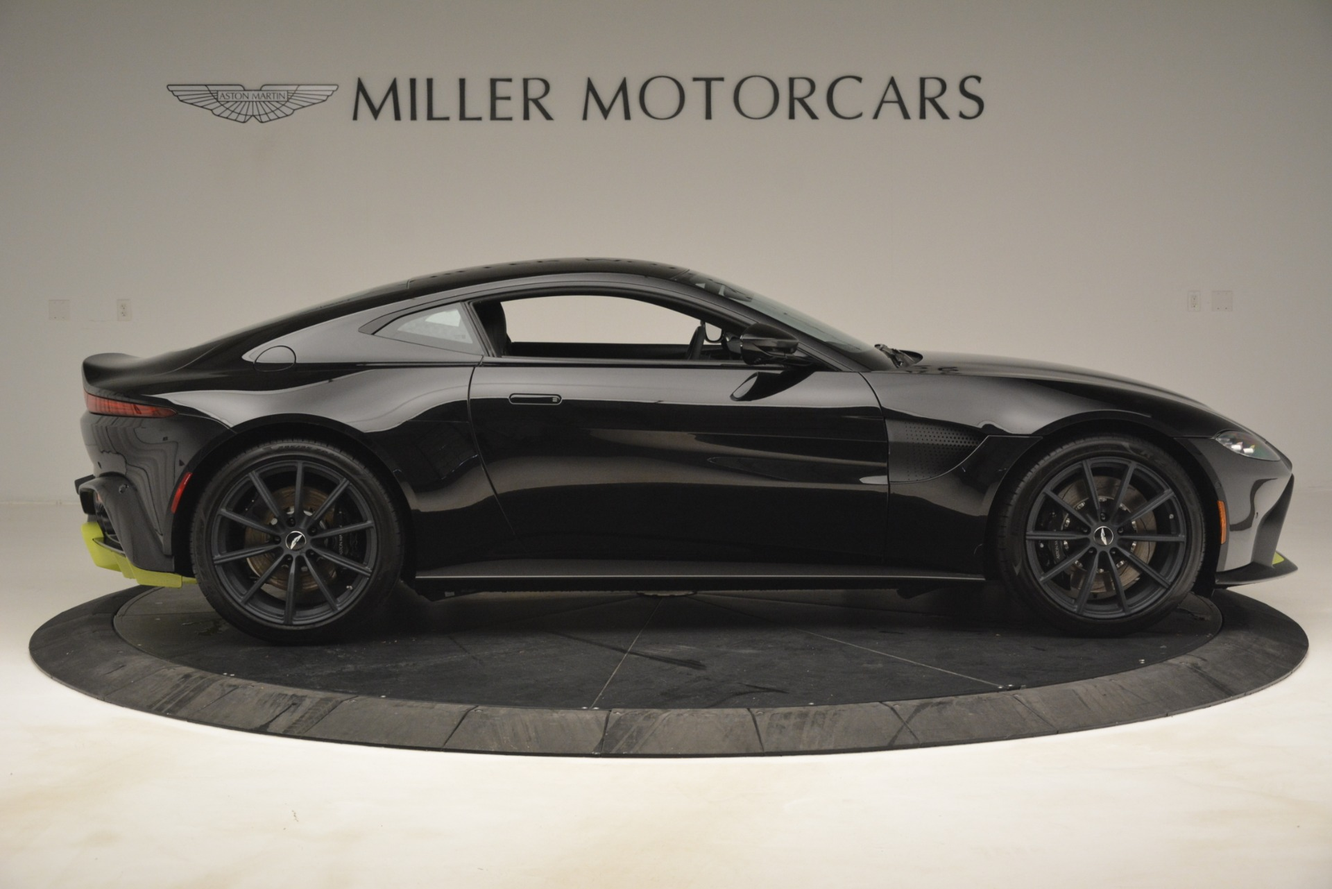 New 2019 Aston Martin Vantage Coupe For Sale In Greenwich, CT 3030_p10