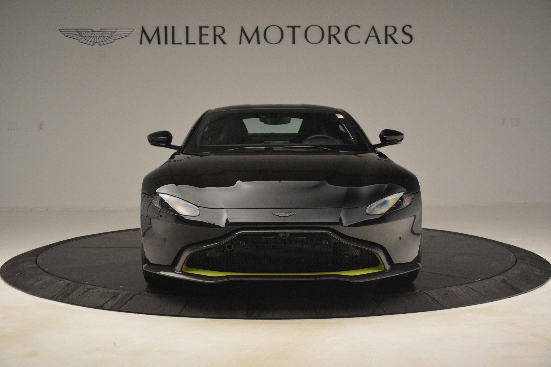 New 2019 Aston Martin Vantage Coupe For Sale In Greenwich, CT 3030_p13