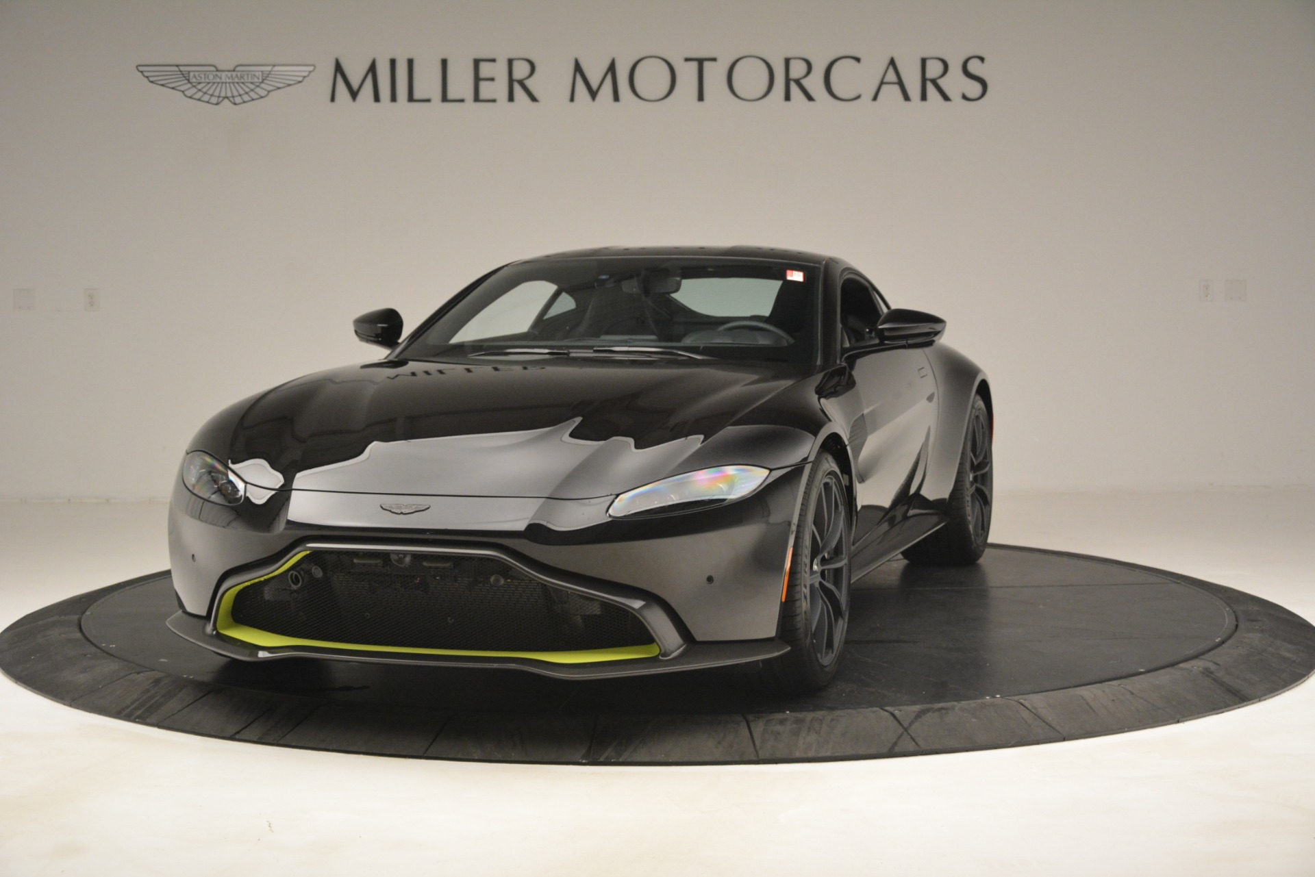 New 2019 Aston Martin Vantage Coupe For Sale In Greenwich, CT 3030_p2