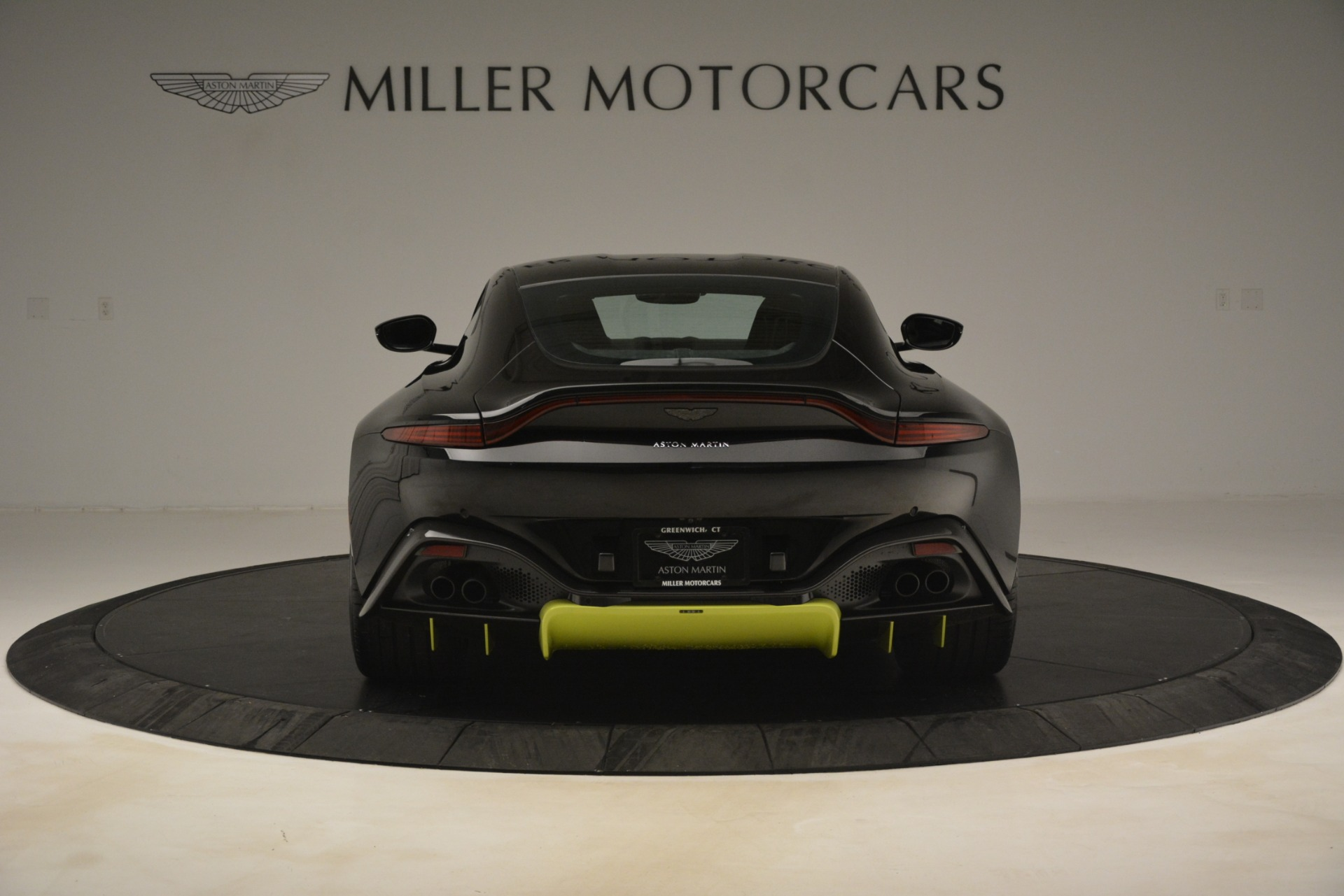 New 2019 Aston Martin Vantage Coupe For Sale In Greenwich, CT 3030_p7