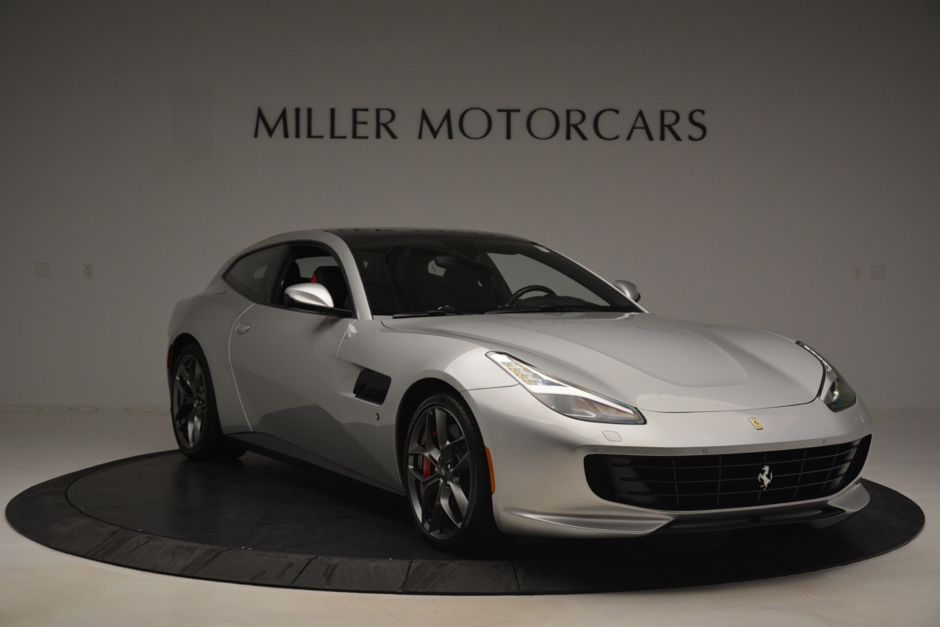 Used 2018 Ferrari GTC4Lusso T  For Sale In Greenwich, CT 3031_p11