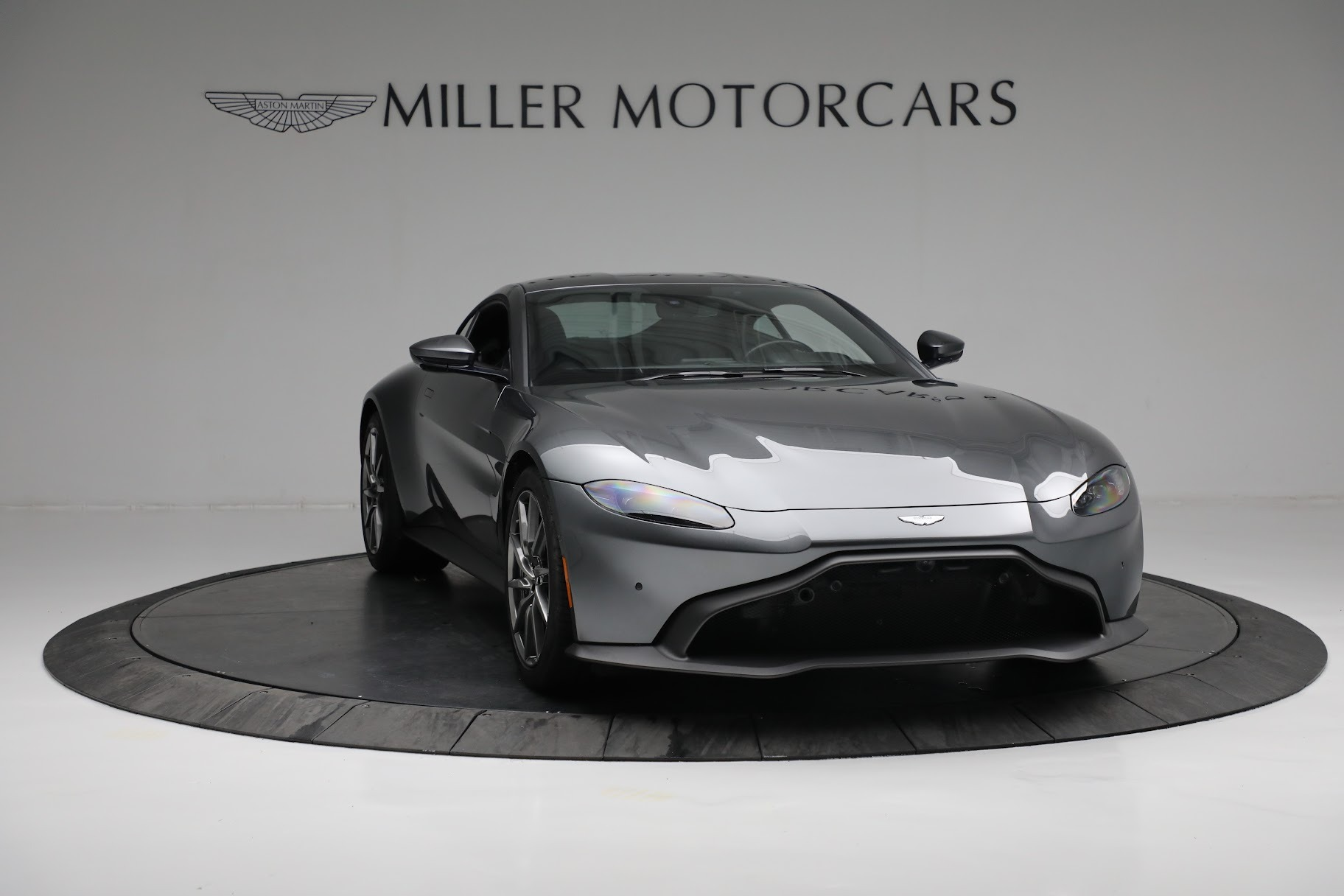 New 2019 Aston Martin Vantage Coupe For Sale In Greenwich, CT 3032_p10