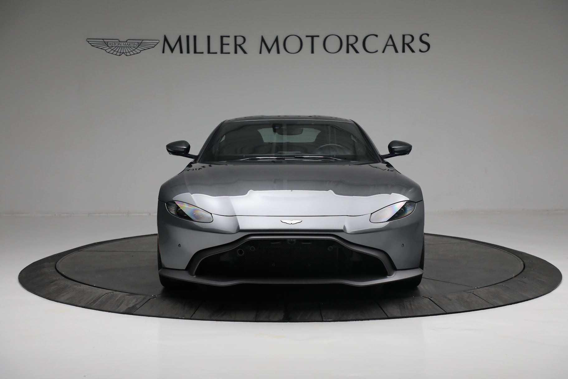 New 2019 Aston Martin Vantage Coupe For Sale In Greenwich, CT 3032_p11