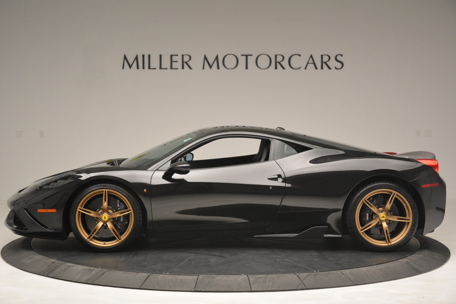 Used 2014 Ferrari 458 Speciale  For Sale In Greenwich, CT 3036_p3