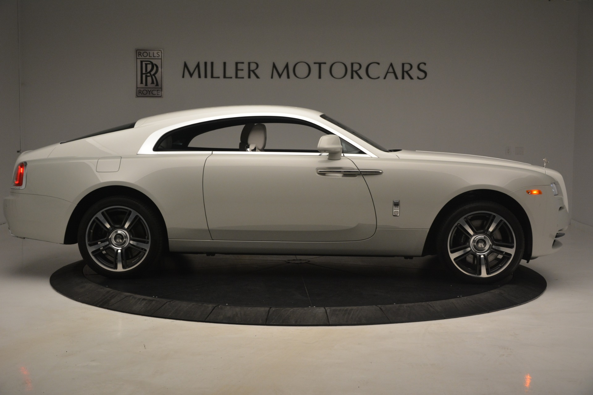 Used 2016 Rolls-Royce Wraith  For Sale In Greenwich, CT 3043_p11