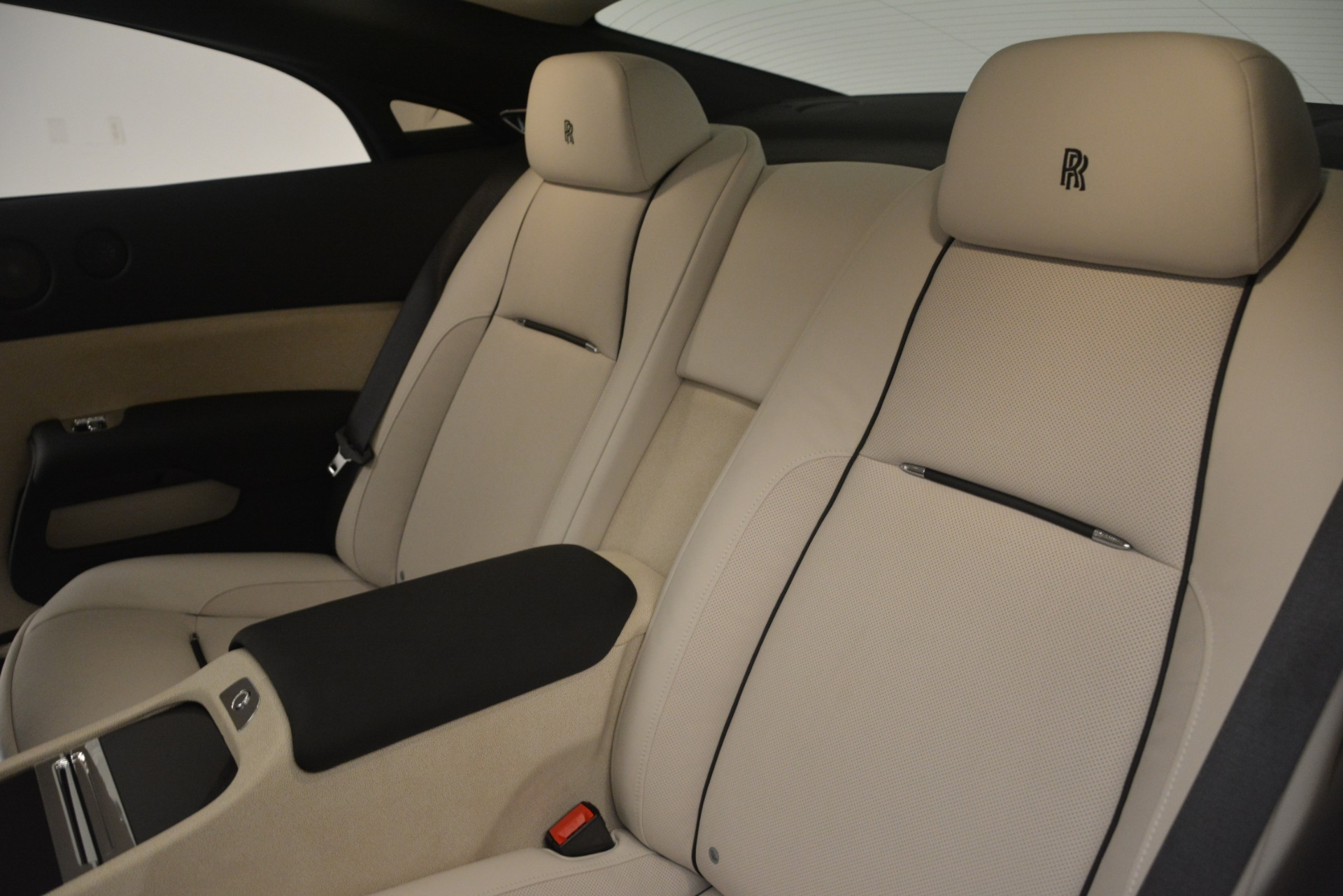 Used 2016 Rolls-Royce Wraith  For Sale In Greenwich, CT 3043_p21