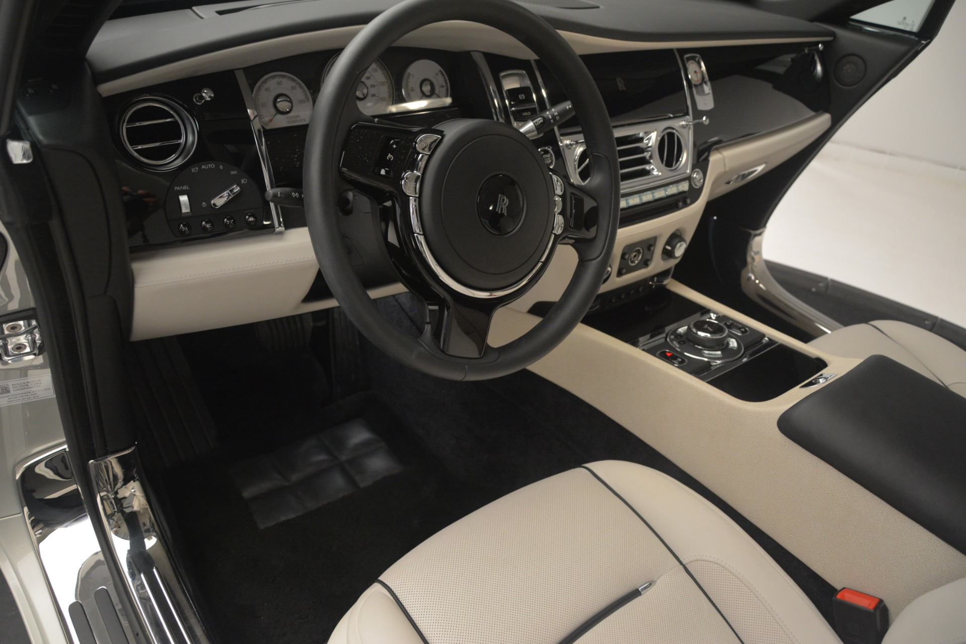 Used 2016 Rolls-Royce Wraith  For Sale In Greenwich, CT 3043_p24