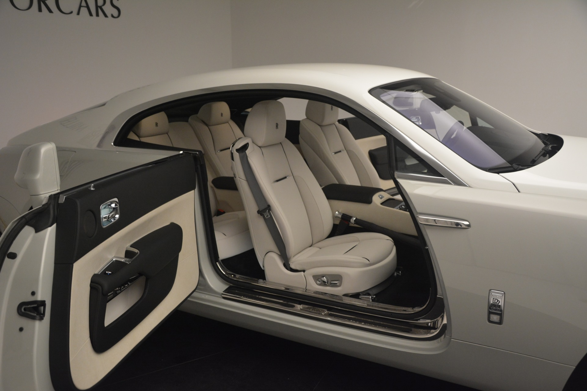 Used 2016 Rolls-Royce Wraith  For Sale In Greenwich, CT 3043_p41