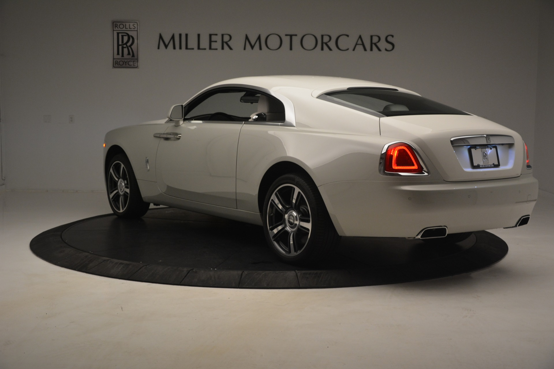 Used 2016 Rolls-Royce Wraith  For Sale In Greenwich, CT 3043_p6