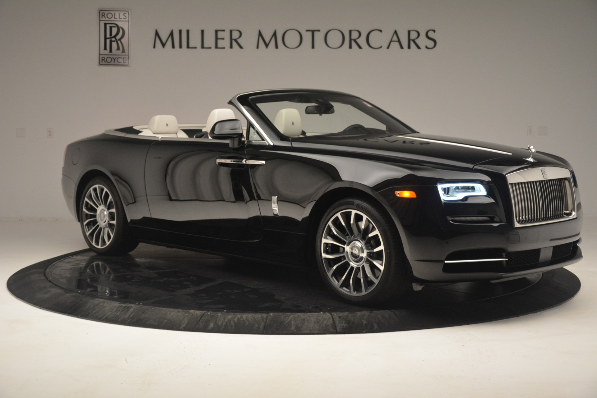 Used 2018 Rolls-Royce Dawn  For Sale In Greenwich, CT 3044_p12