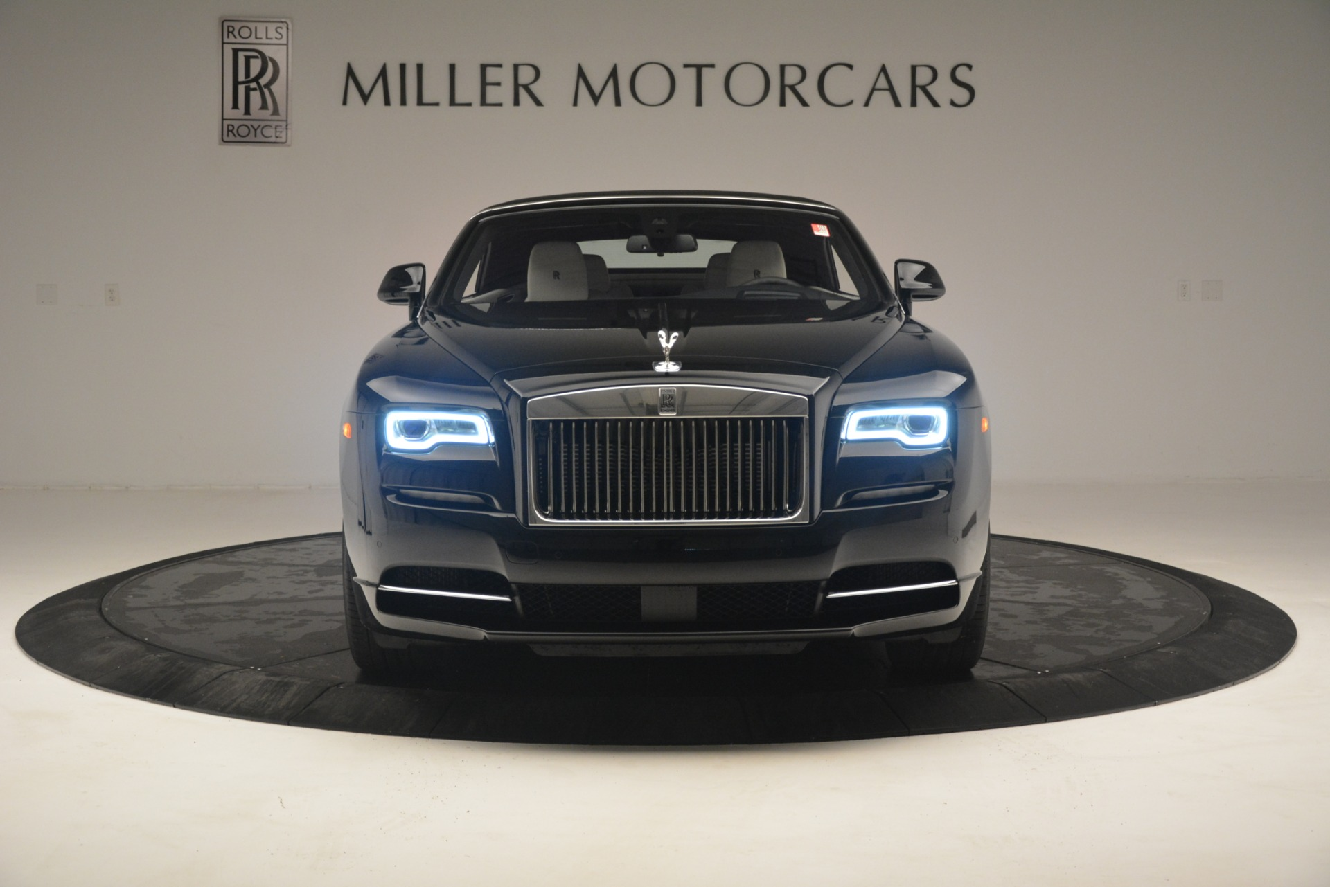 Used 2018 Rolls-Royce Dawn  For Sale In Greenwich, CT 3044_p15