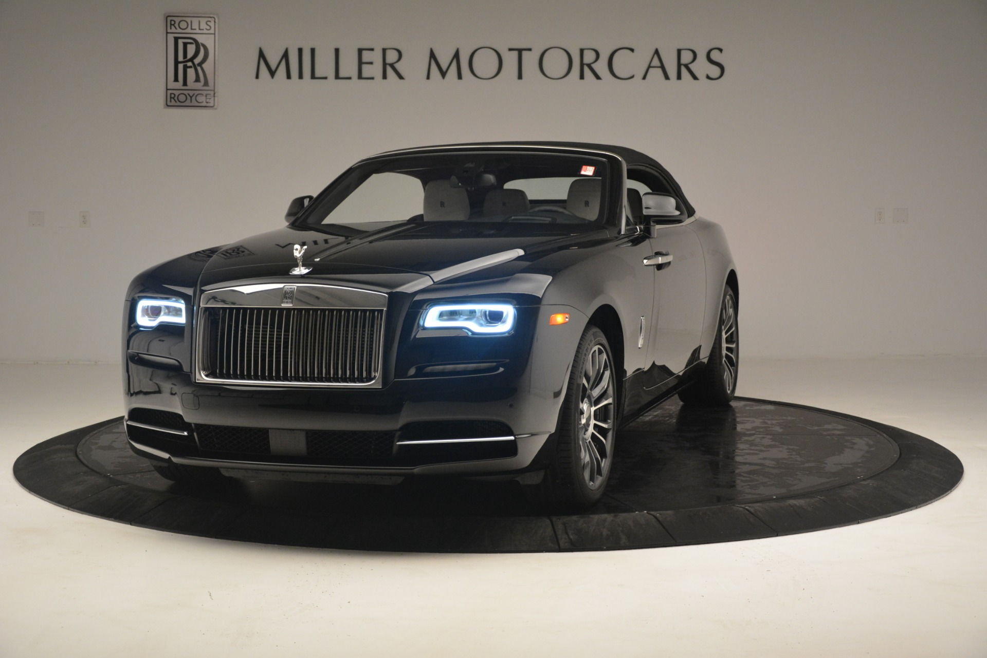 Used 2018 Rolls-Royce Dawn  For Sale In Greenwich, CT 3044_p16