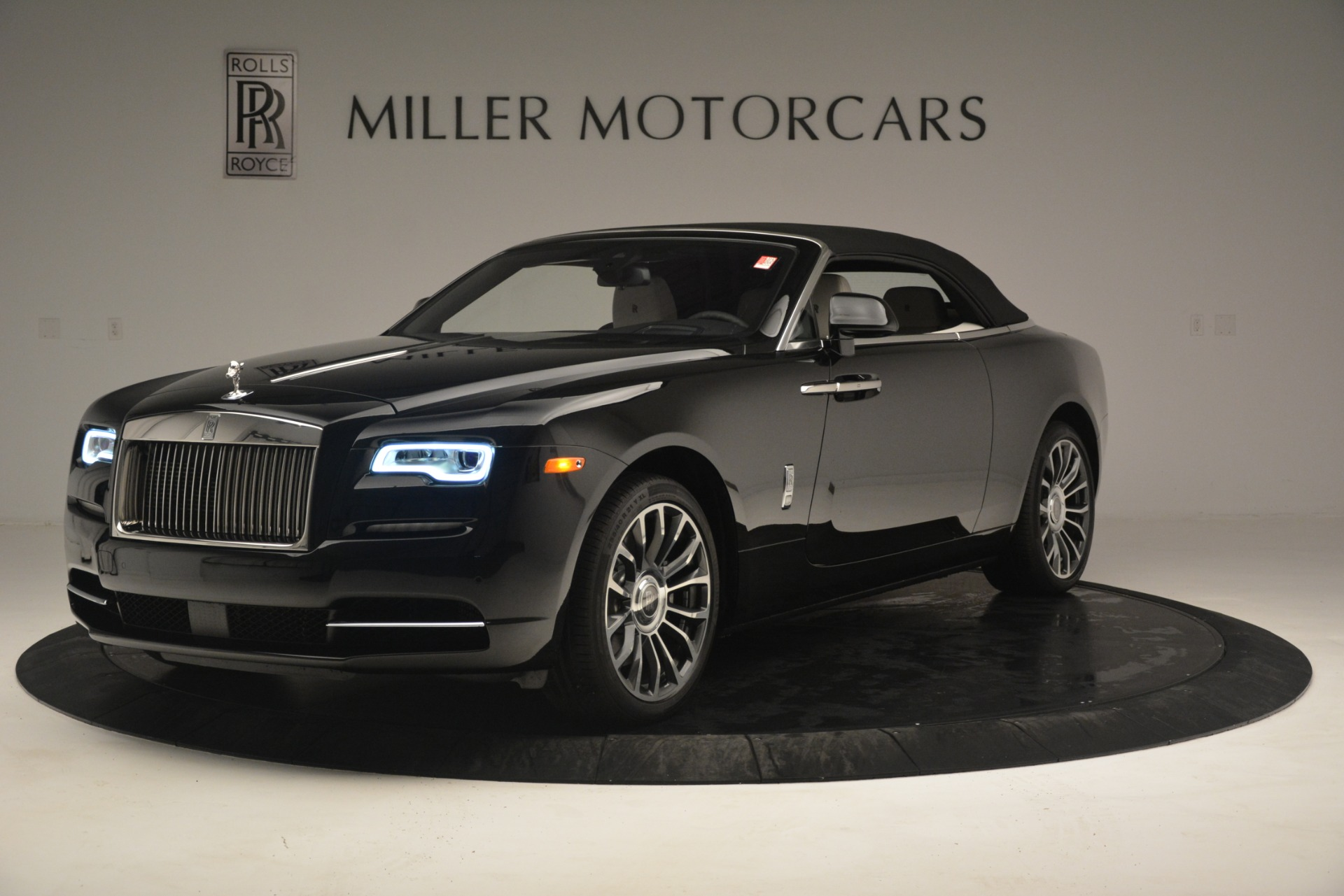 Used 2018 Rolls-Royce Dawn  For Sale In Greenwich, CT 3044_p17