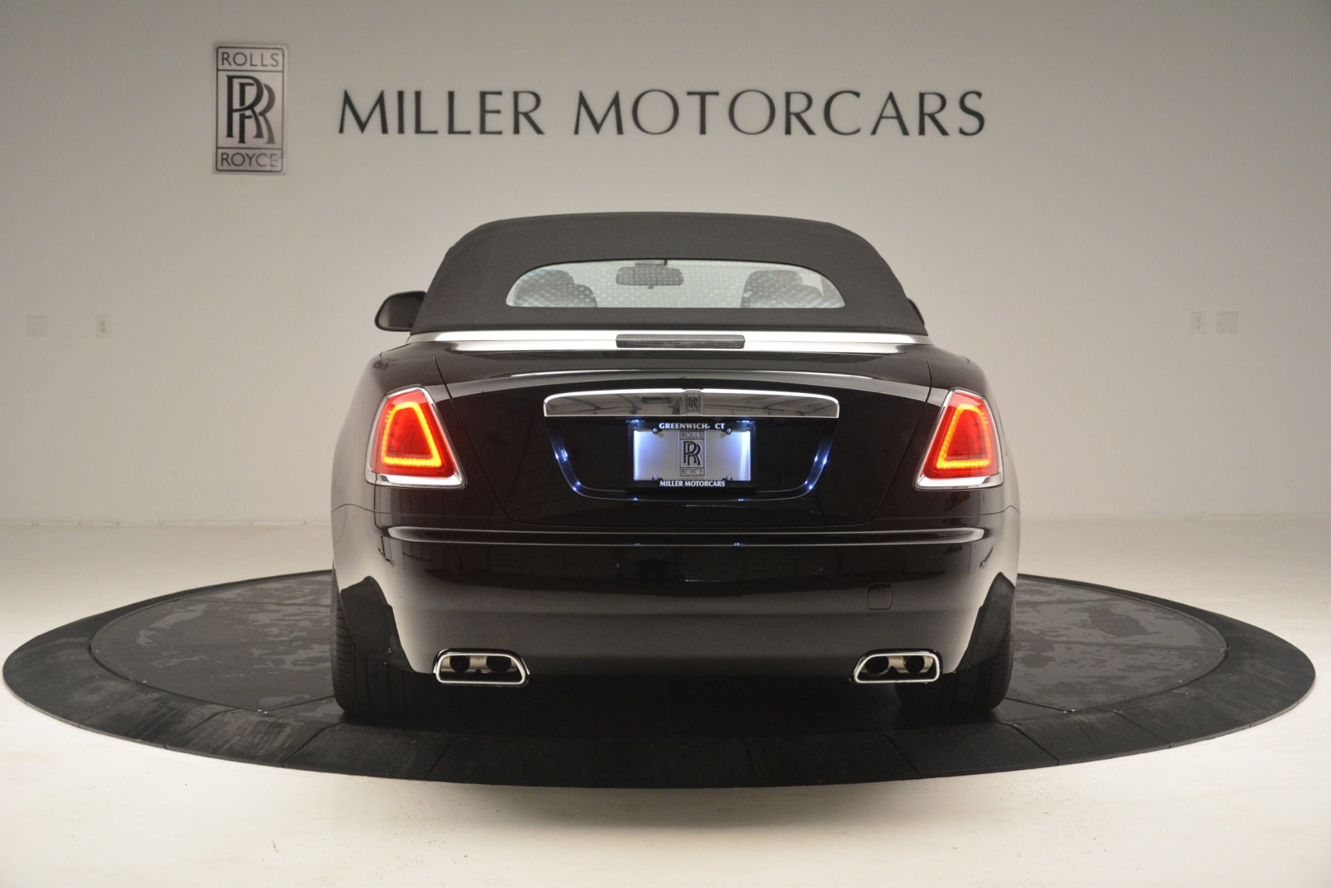 Used 2018 Rolls-Royce Dawn  For Sale In Greenwich, CT 3044_p22