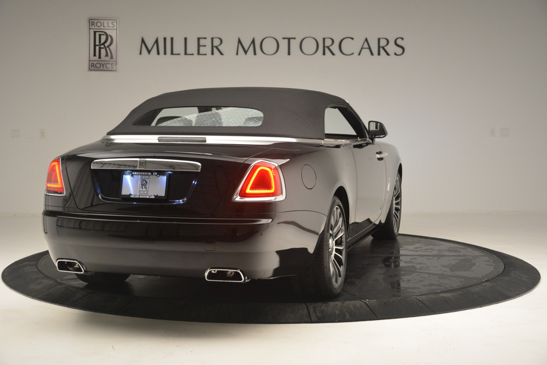 Used 2018 Rolls-Royce Dawn  For Sale In Greenwich, CT 3044_p23