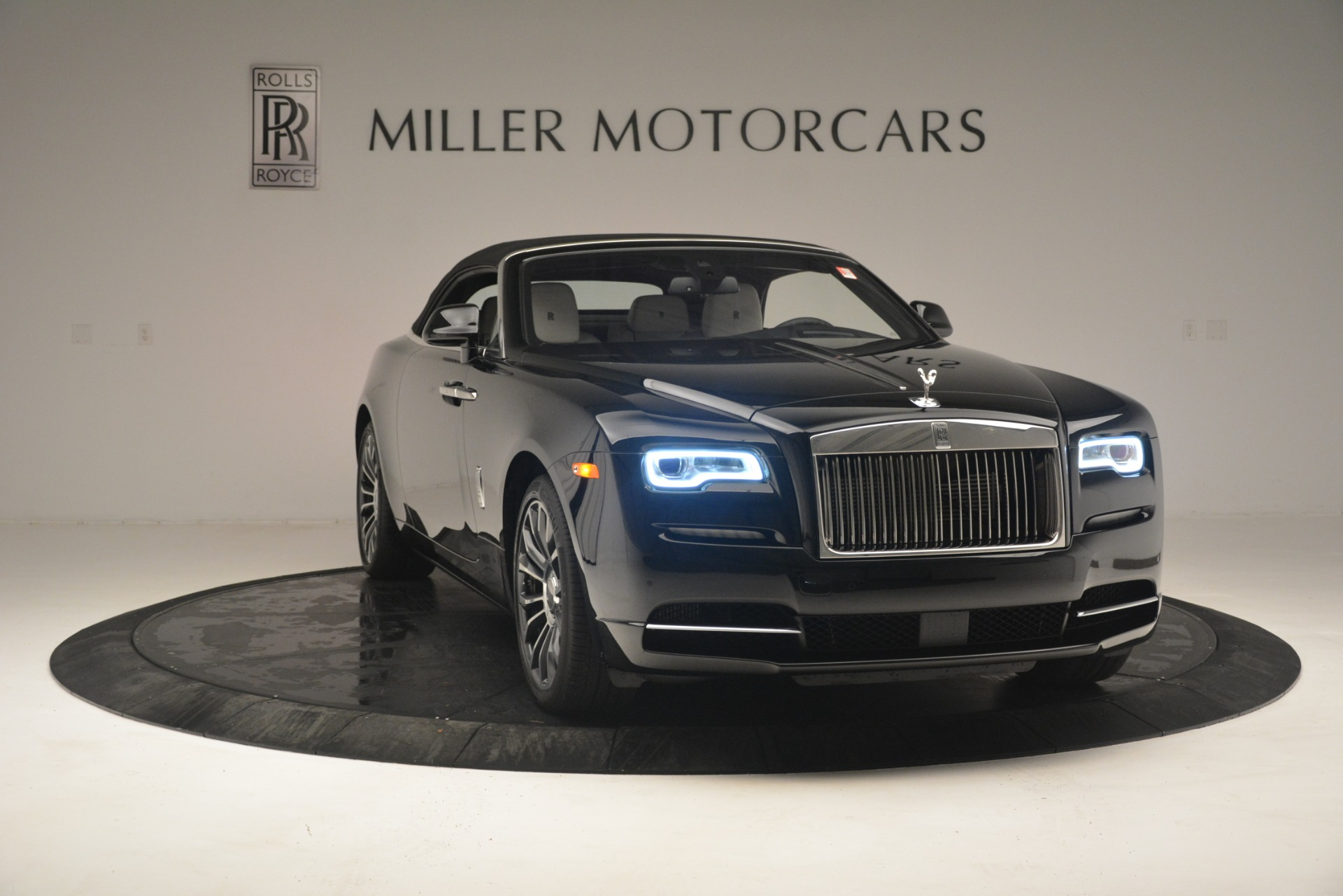 Used 2018 Rolls-Royce Dawn  For Sale In Greenwich, CT 3044_p28