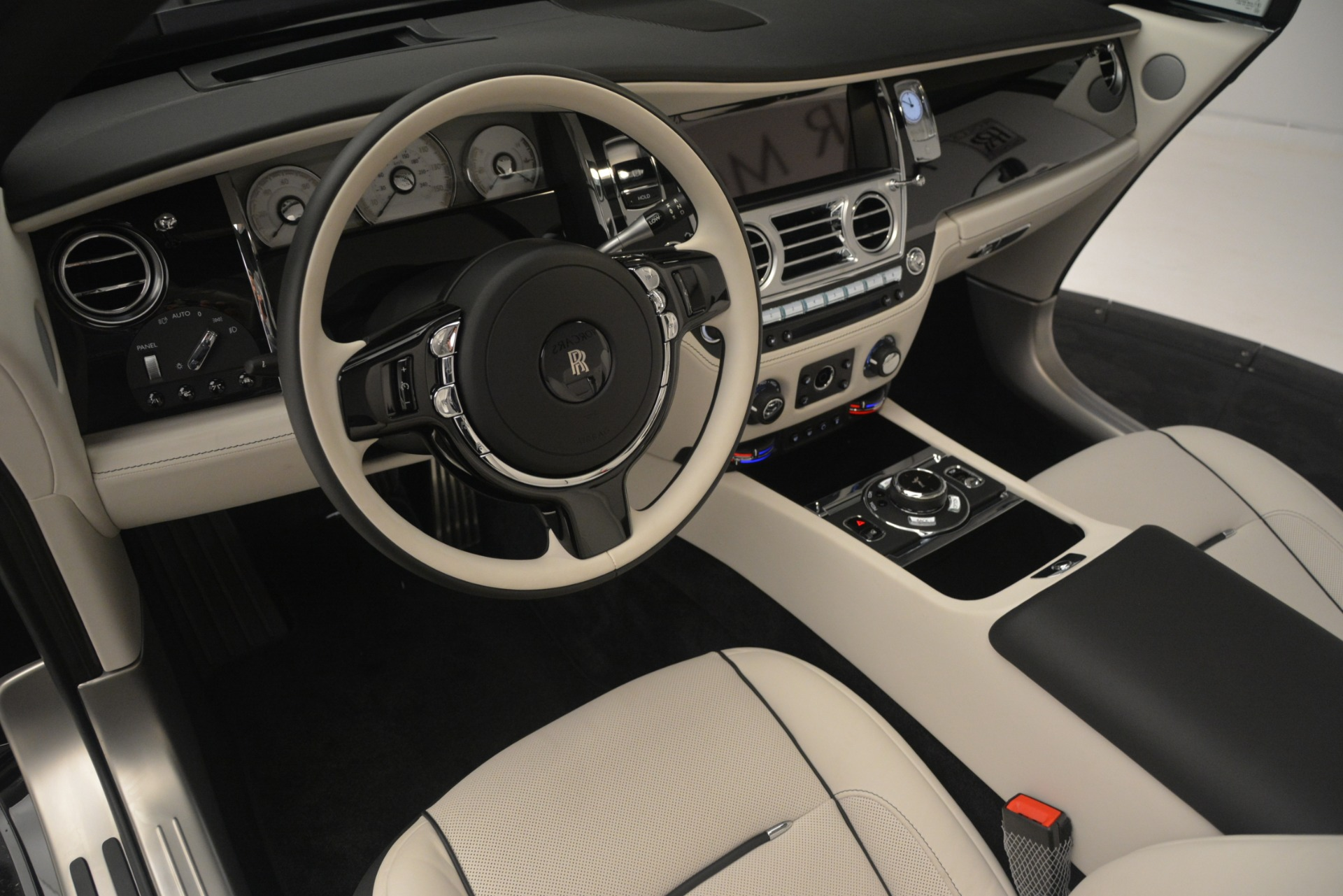 Used 2018 Rolls-Royce Dawn  For Sale In Greenwich, CT 3044_p32