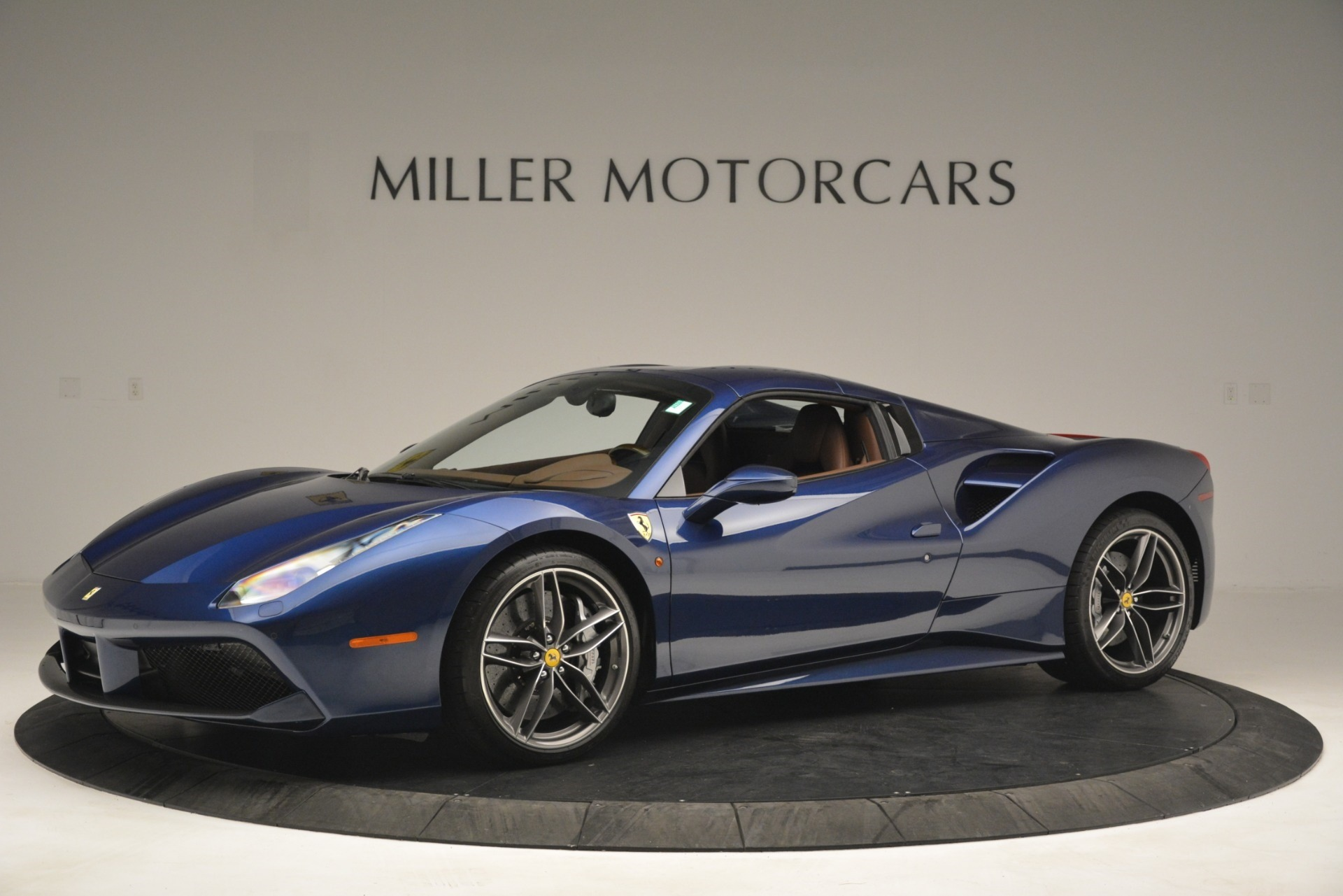 Used 2018 Ferrari 488 Spider  For Sale In Greenwich, CT 3045_p14