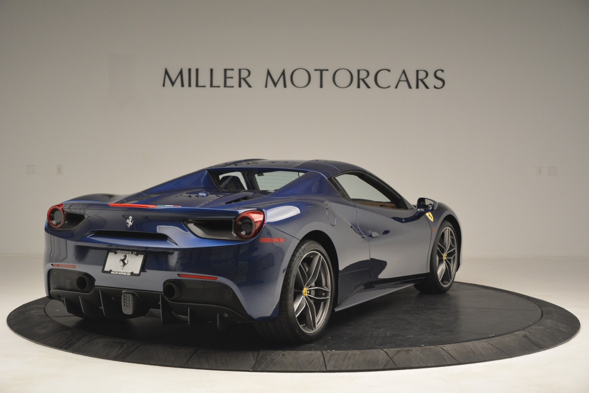Used 2018 Ferrari 488 Spider  For Sale In Greenwich, CT 3045_p19