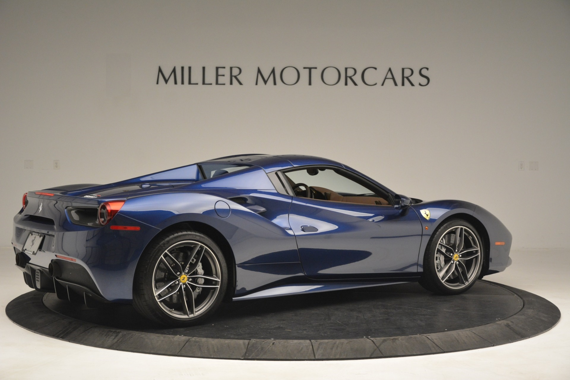 Used 2018 Ferrari 488 Spider  For Sale In Greenwich, CT 3045_p20