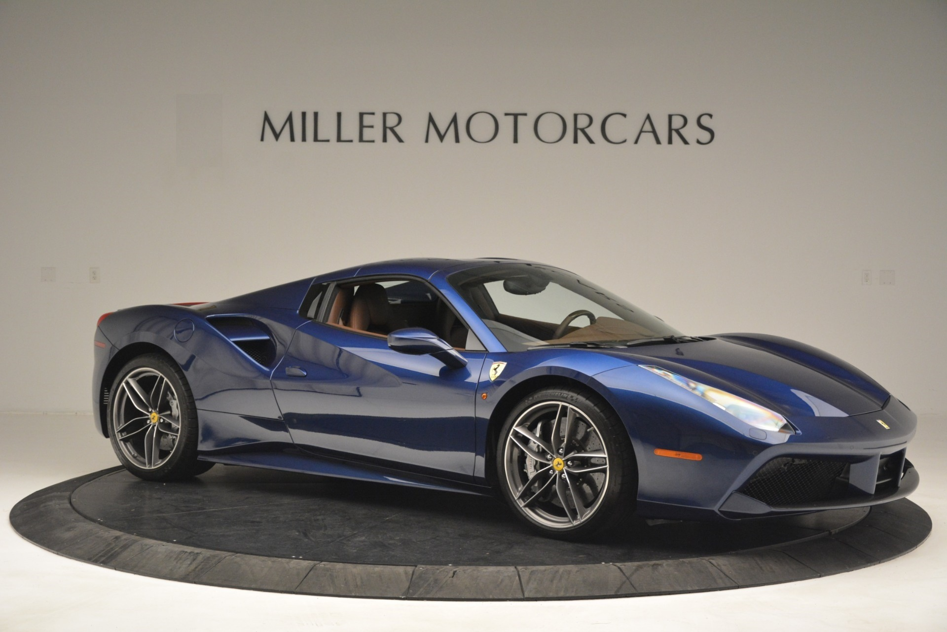 Used 2018 Ferrari 488 Spider  For Sale In Greenwich, CT 3045_p22