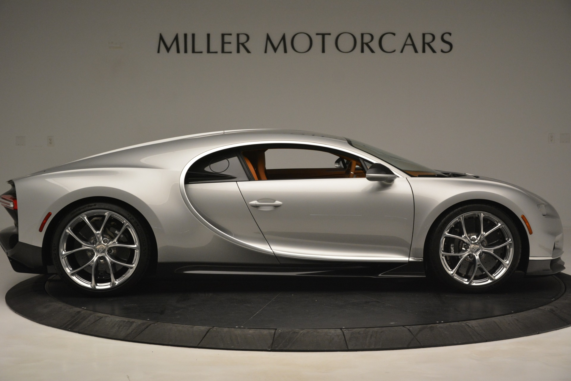 Used 2019 Bugatti Chiron  For Sale In Greenwich, CT 3048_p9
