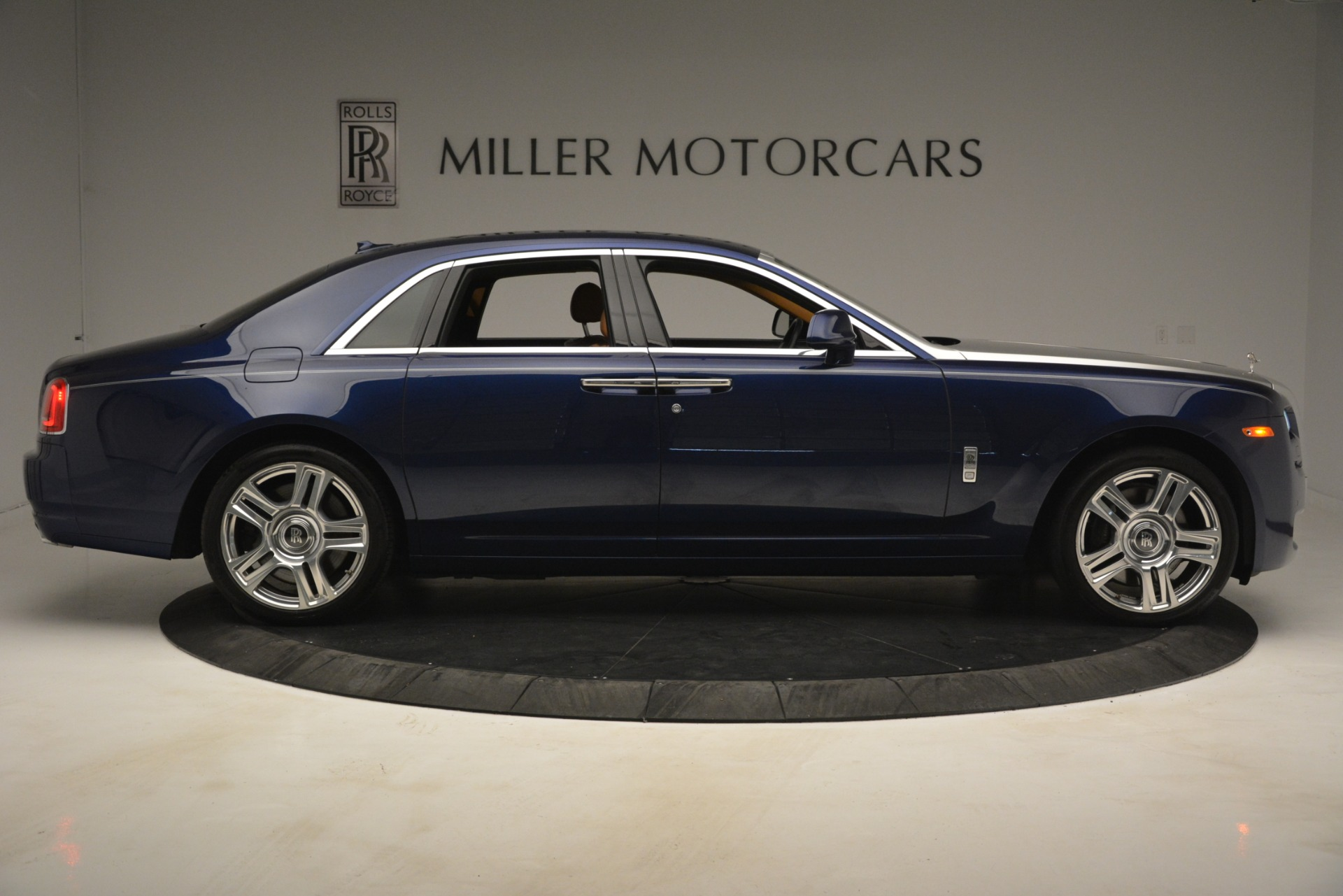 Used 2016 Rolls-Royce Ghost  For Sale In Greenwich, CT 3050_p12