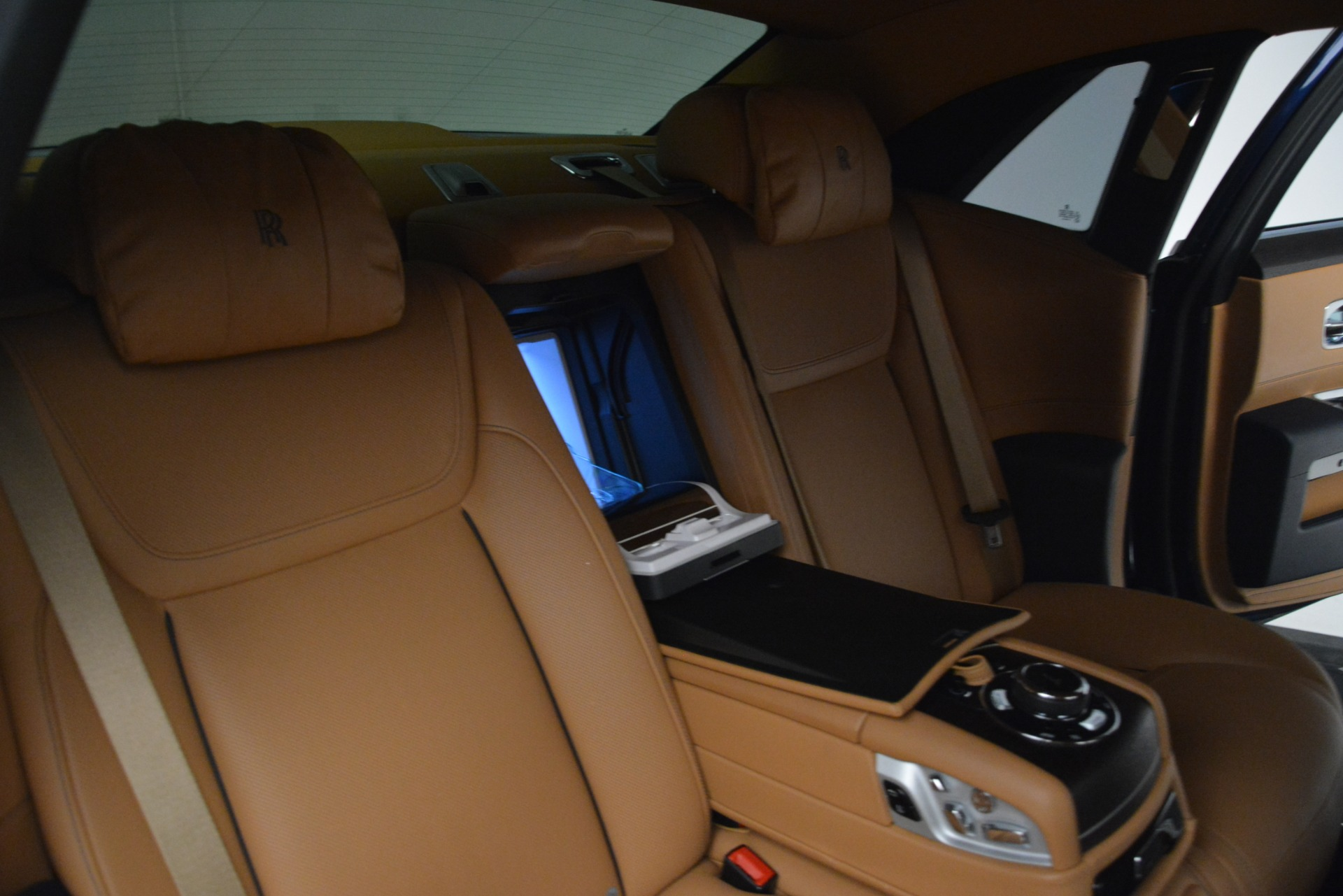 Used 2016 Rolls-Royce Ghost  For Sale In Greenwich, CT 3050_p25