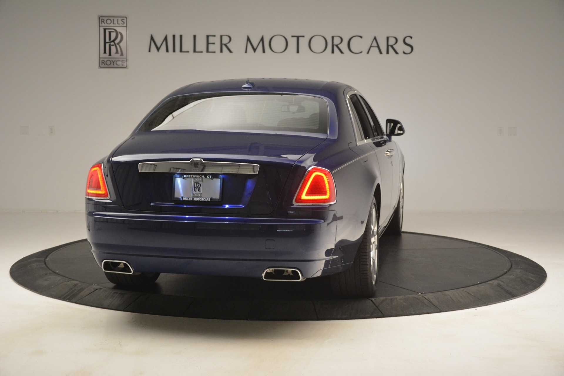 Used 2016 Rolls-Royce Ghost  For Sale In Greenwich, CT 3050_p9